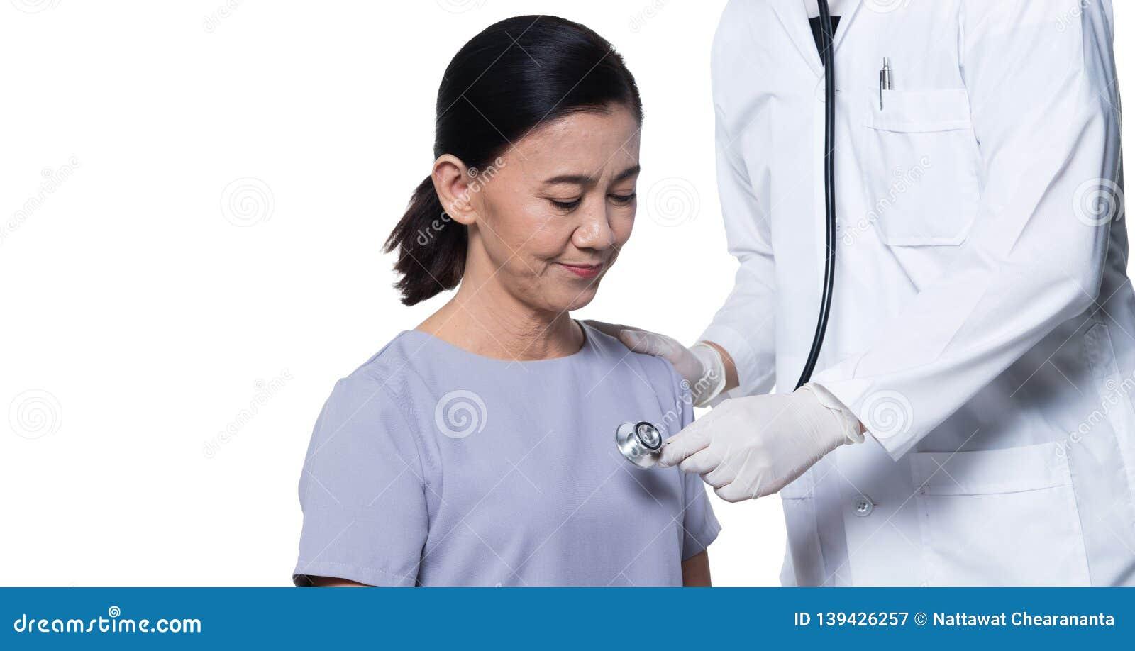 亚裔中间60s健康的年龄妇女耐心检查