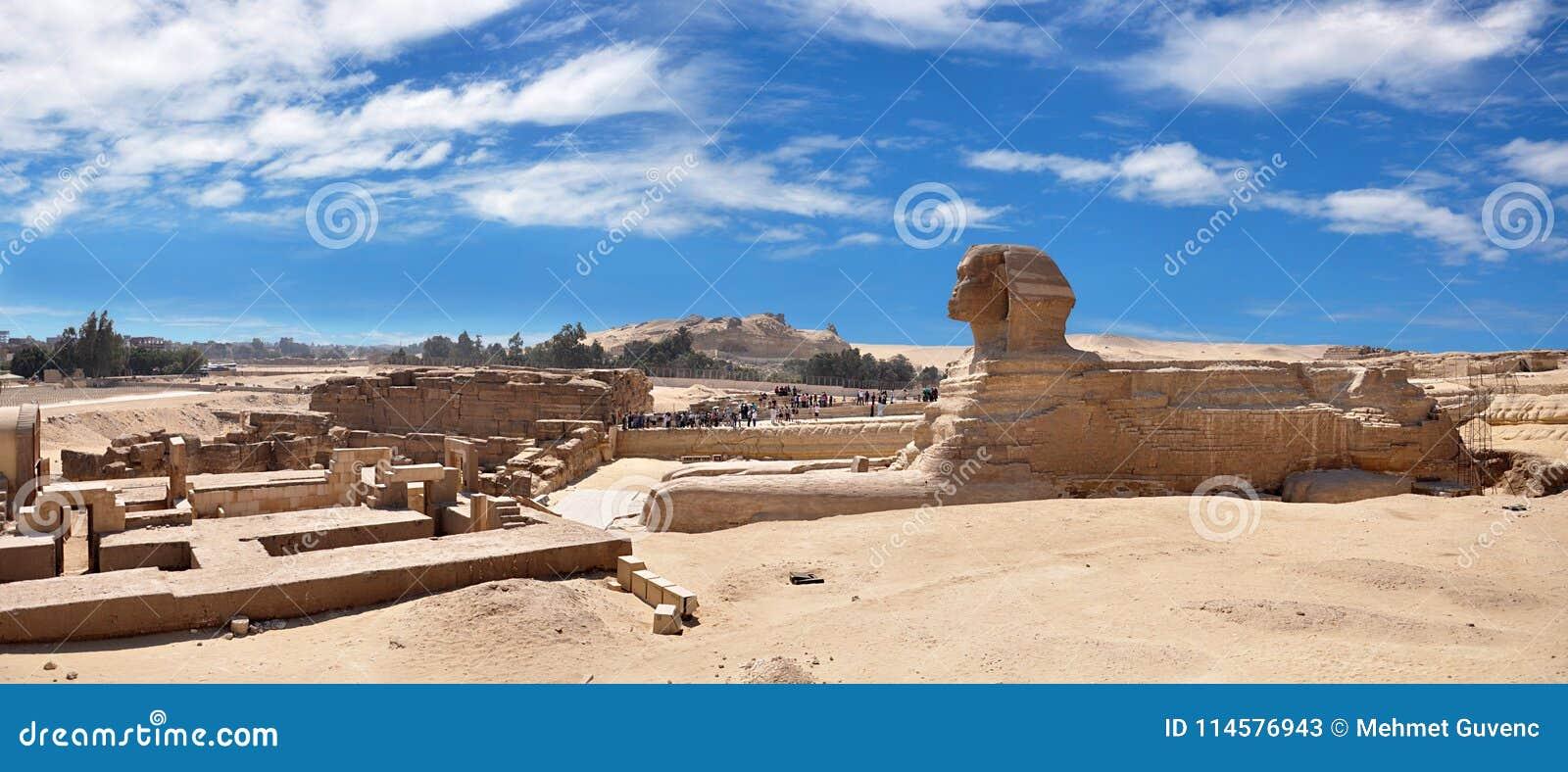 Ägypten ist ein voller Panoramablick der Sphinxes in Giseh