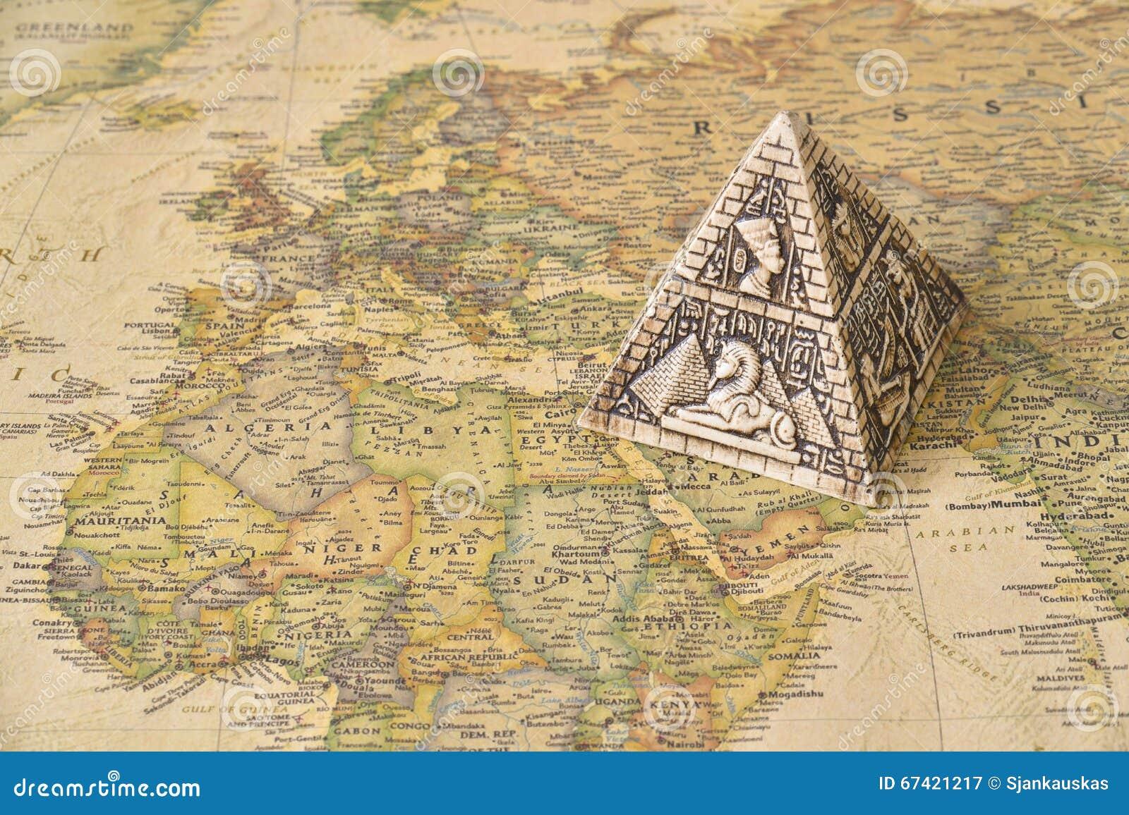 Ägypten-Pyramide auf Karte