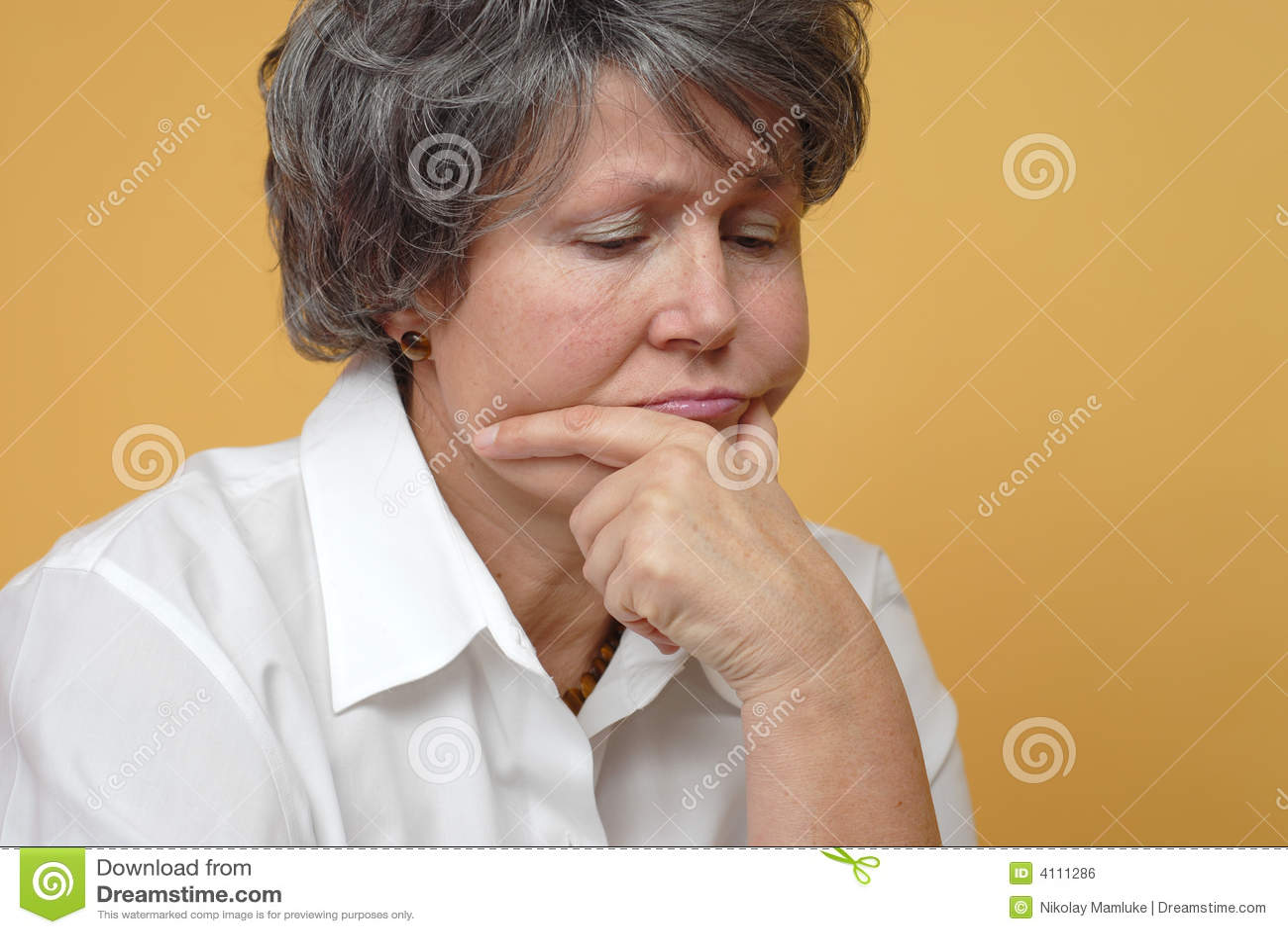 äldre SAD kvinna