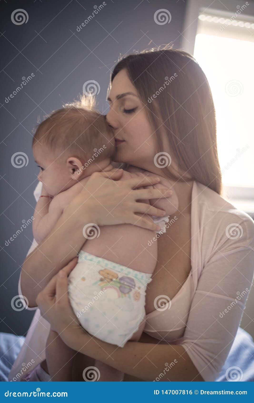 Älska ditt behandla som ett barn, därför att hon inte ska vara alltid liten