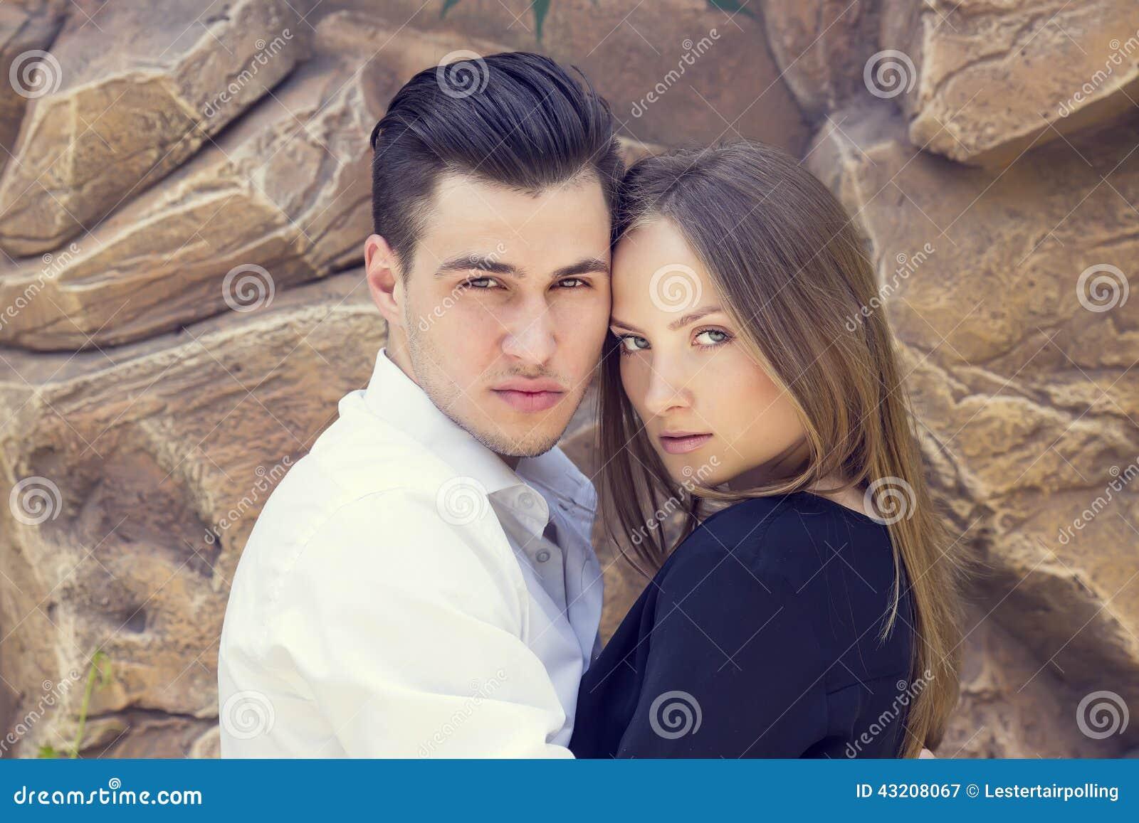 Download älska stående för par fotografering för bildbyråer. Bild av gyckel - 43208067
