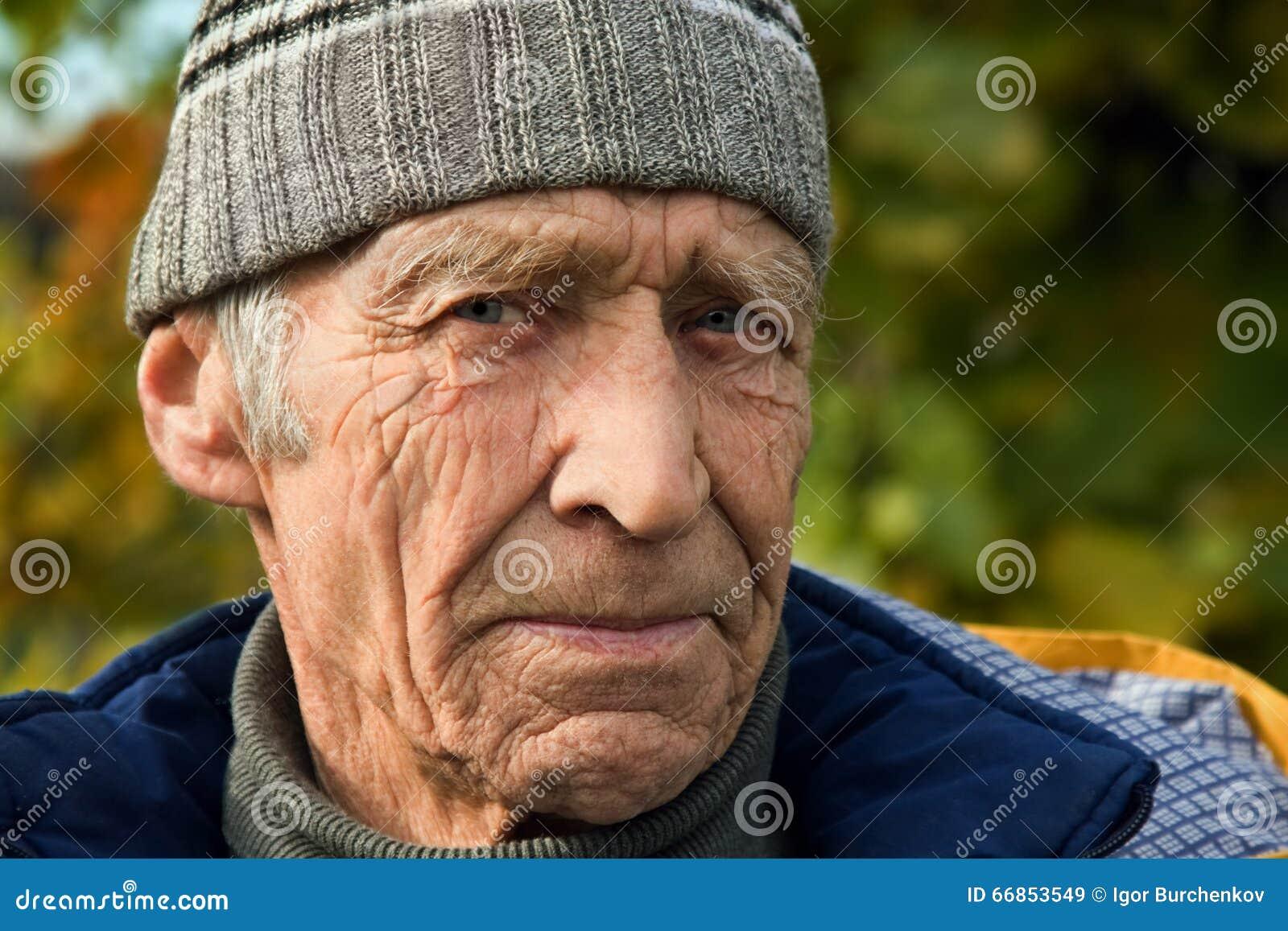 Ältere Personen der Mann