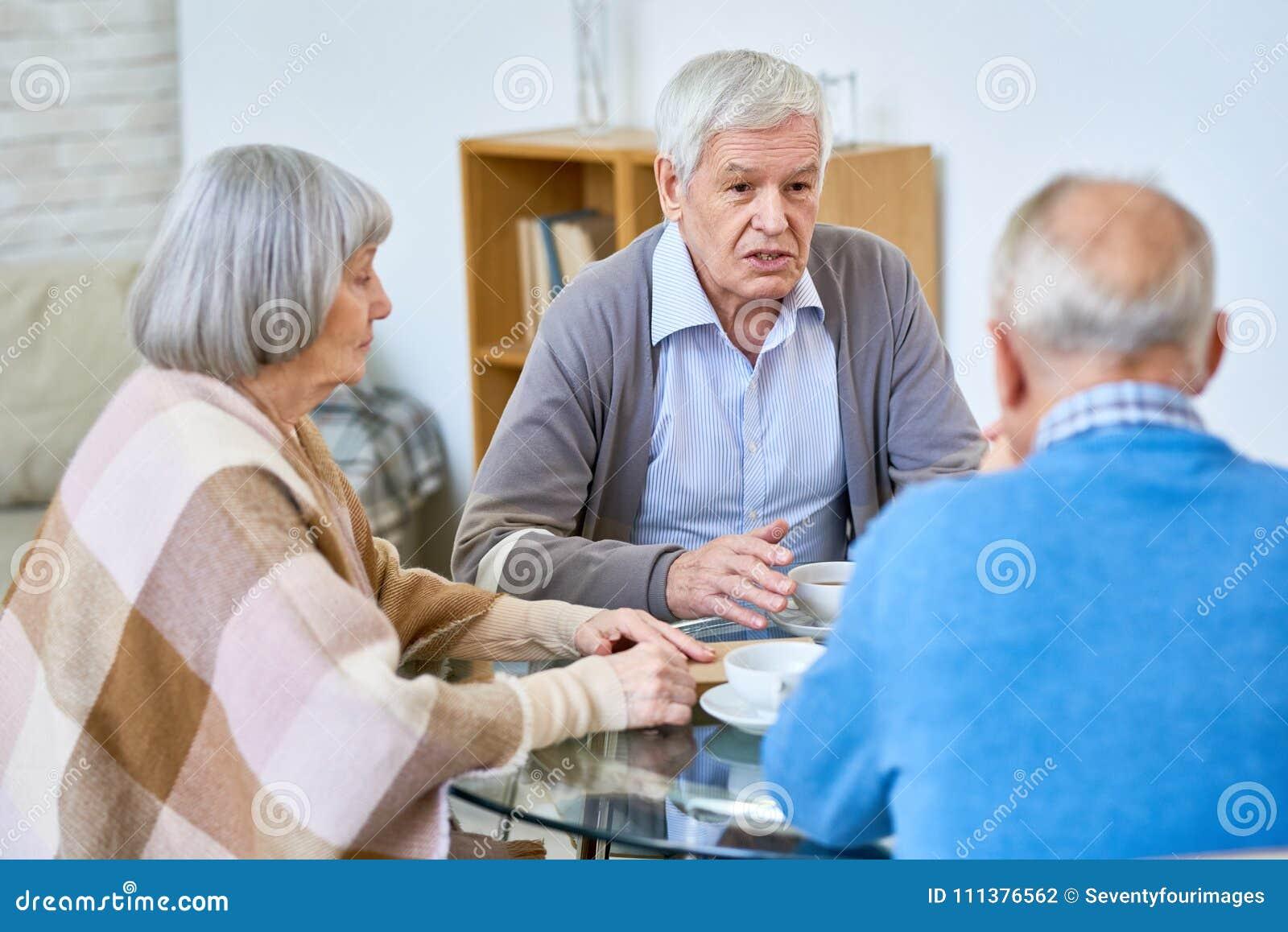 Auf Datierung eines älteren Mannes