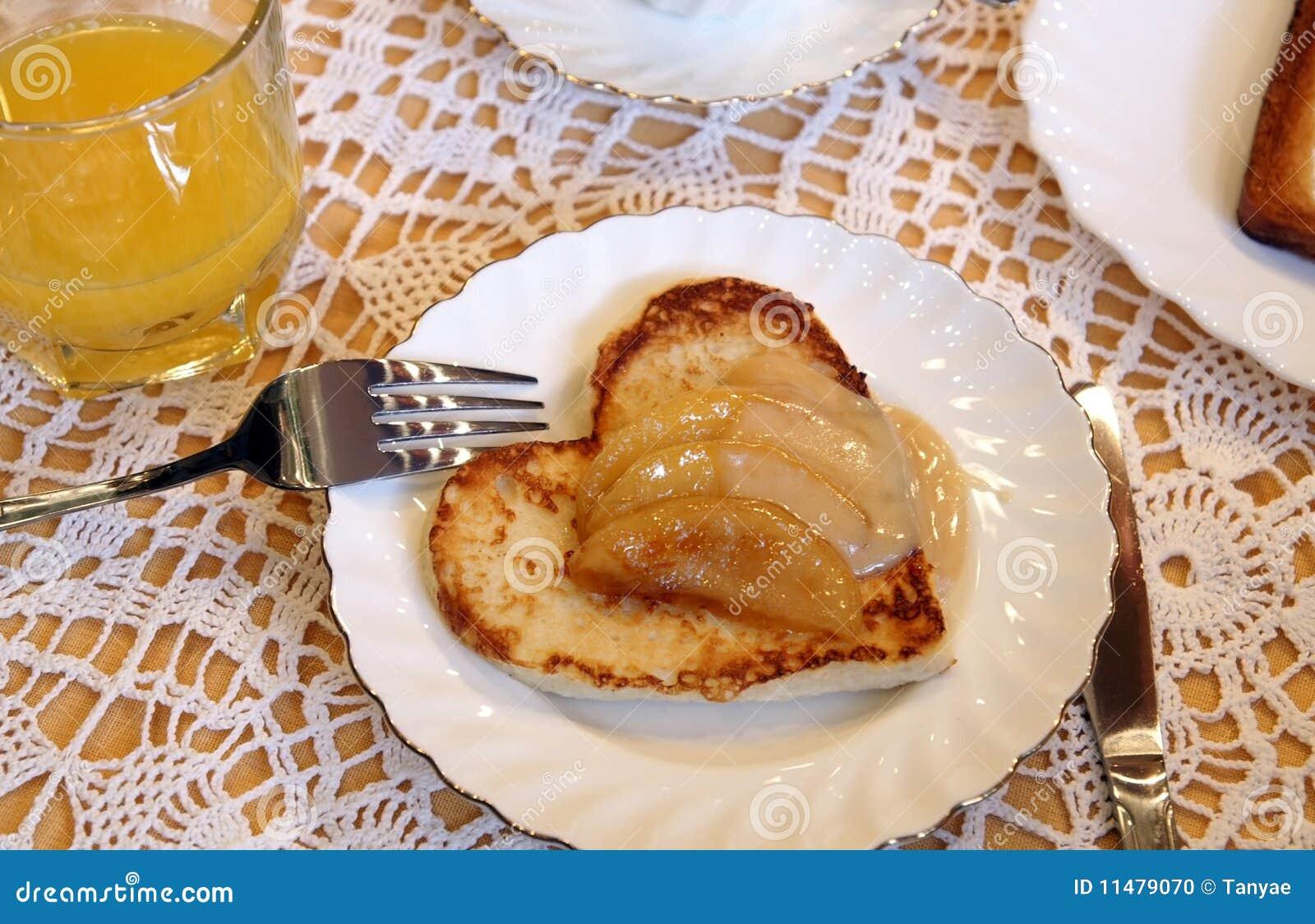 äpplehjärta som såsrostat bröd
