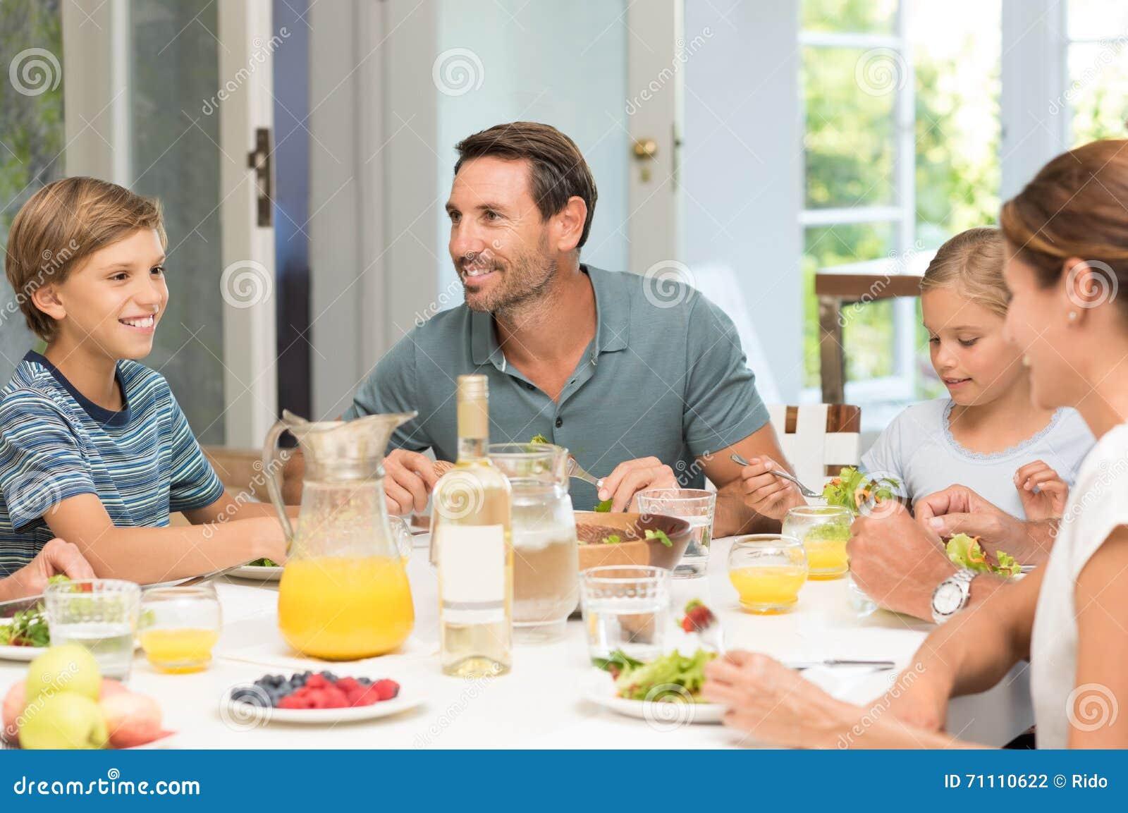 äta familjen tillsammans