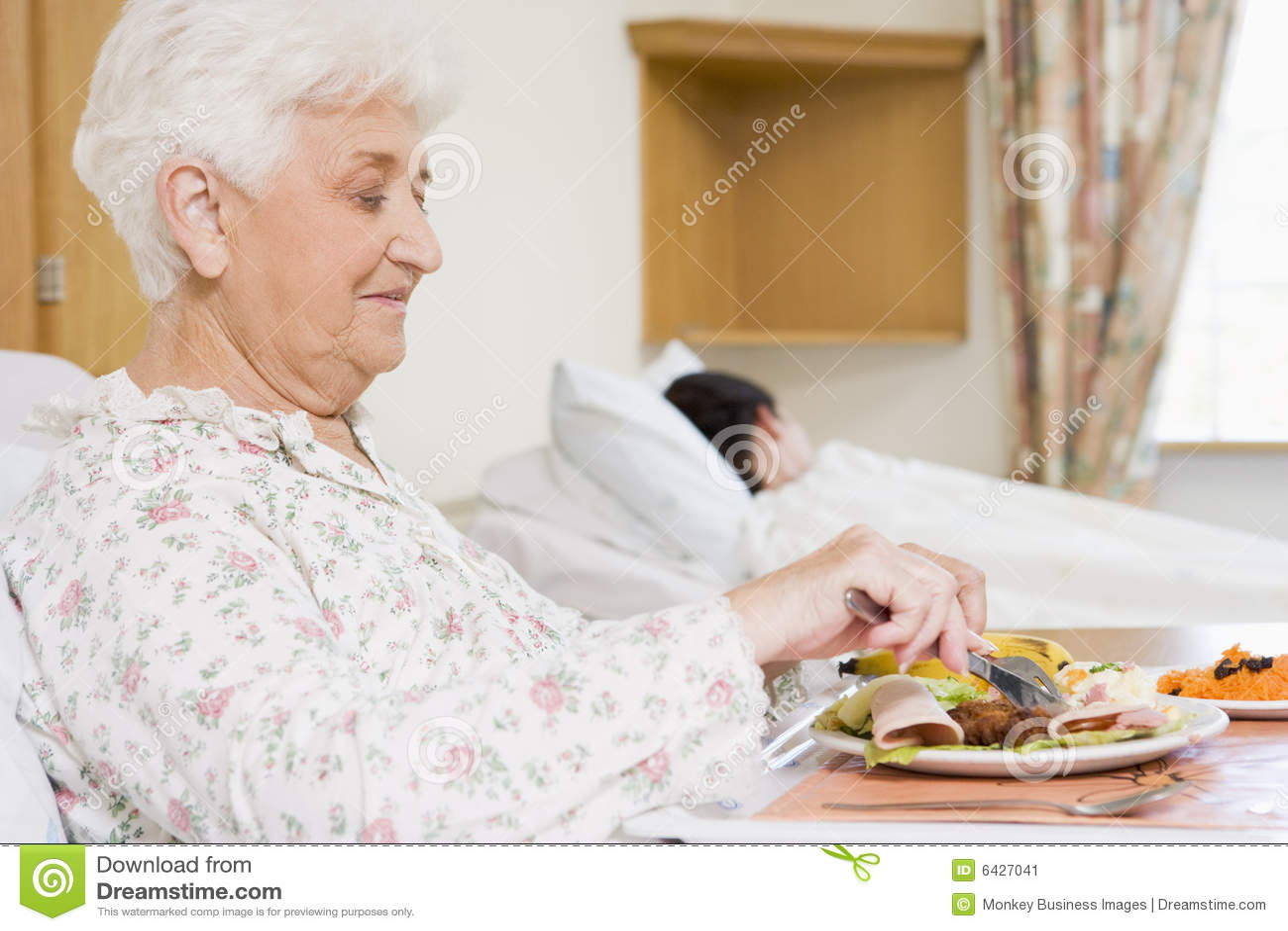 äta kvinnan för matsjukhuspensionär
