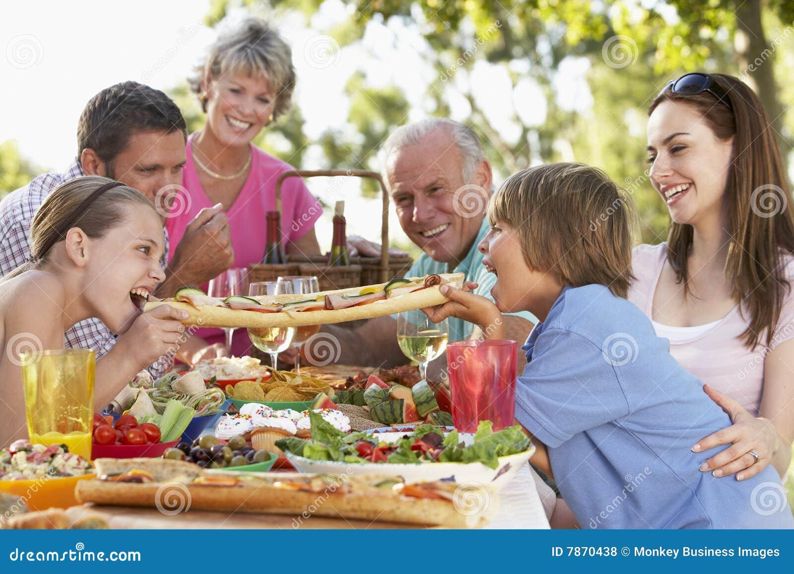 äta middag familjfresco för al
