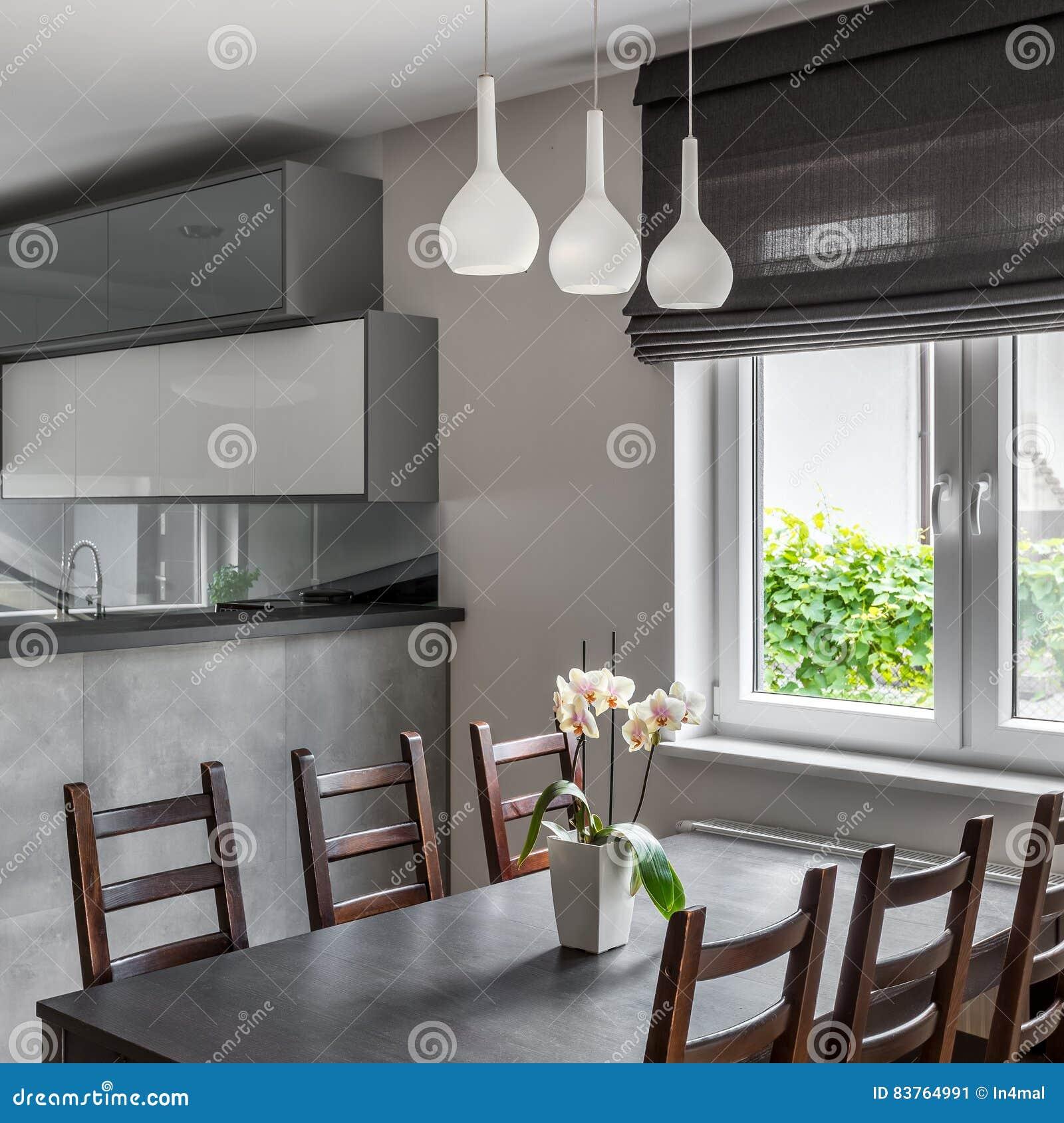 Äta middag område med fönstret