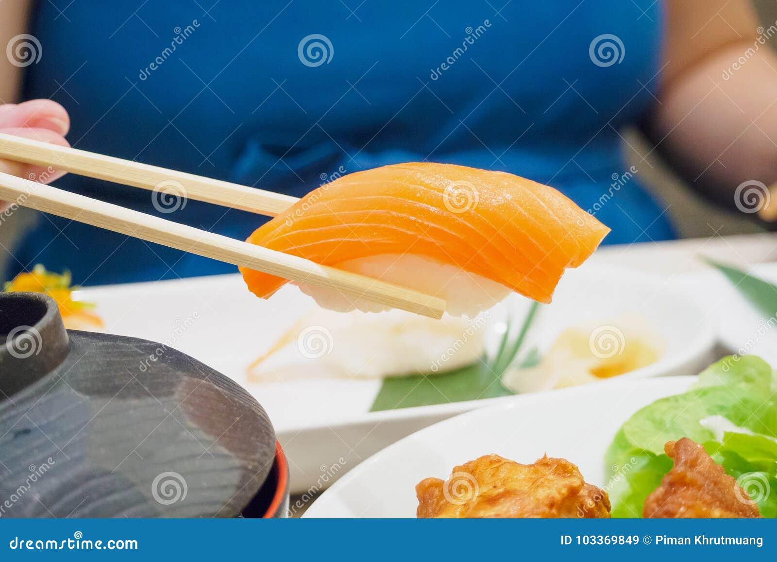 Äta sushi, japansk mat