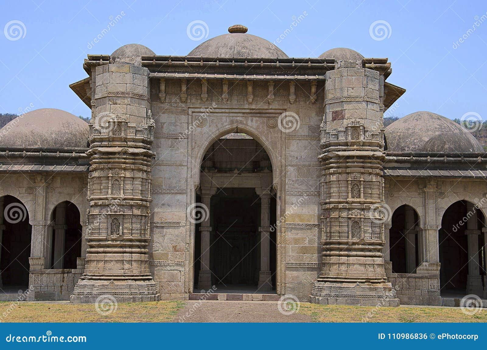 Äußere Ansicht von Moschee Nagina Masjid, aufgebaut mit Reinweißstein UNESCO schützte archäologischen Park Champaner - Pavagadh,