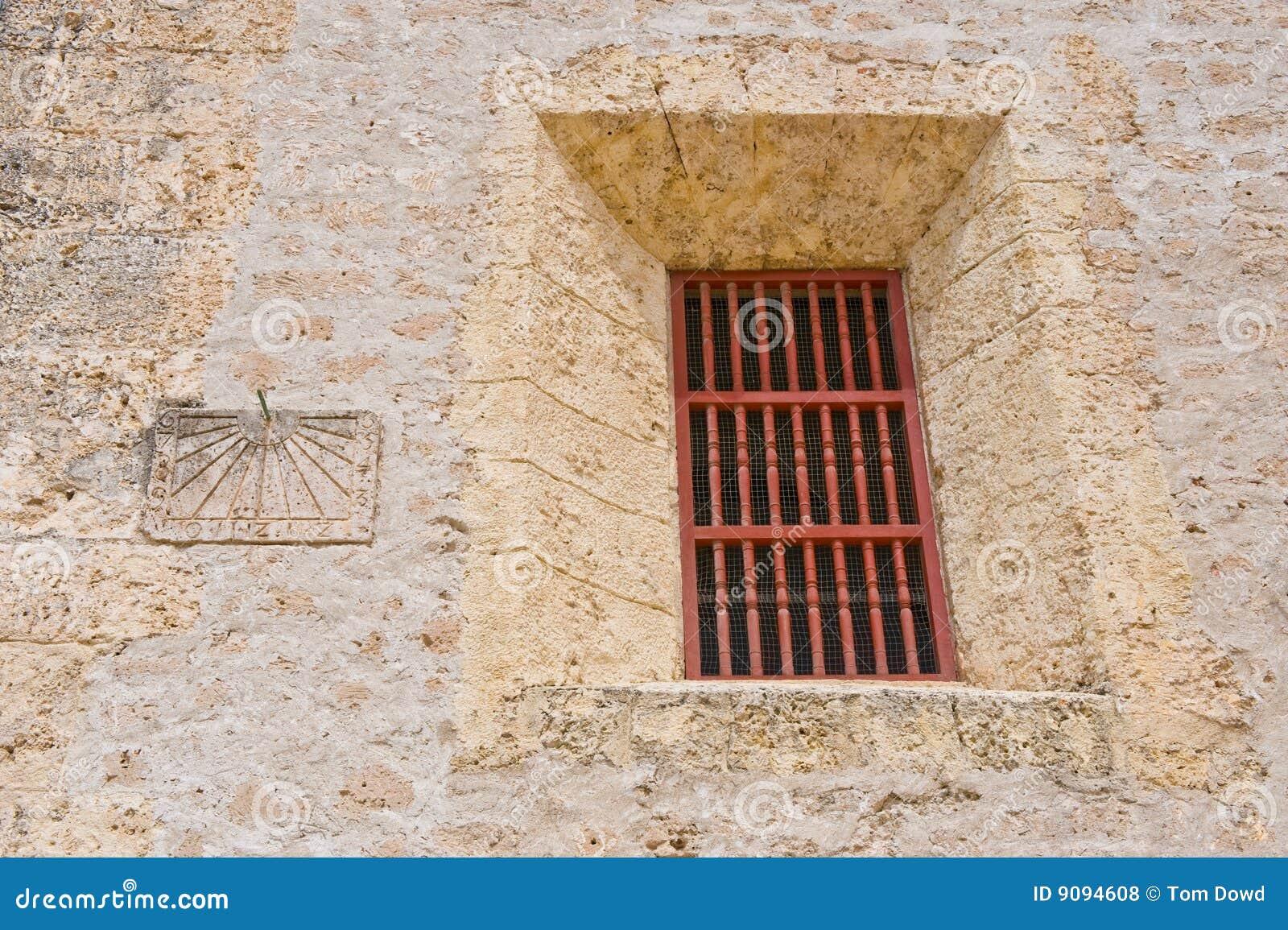 Äußeres des Gefängniszellenfensters