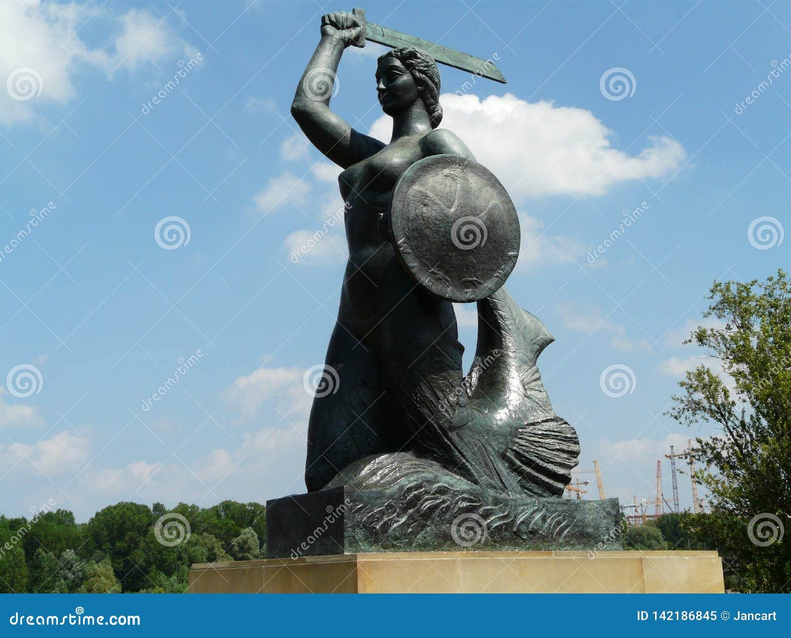 华沙美人鱼的雕象维斯瓦河,华沙,波兰