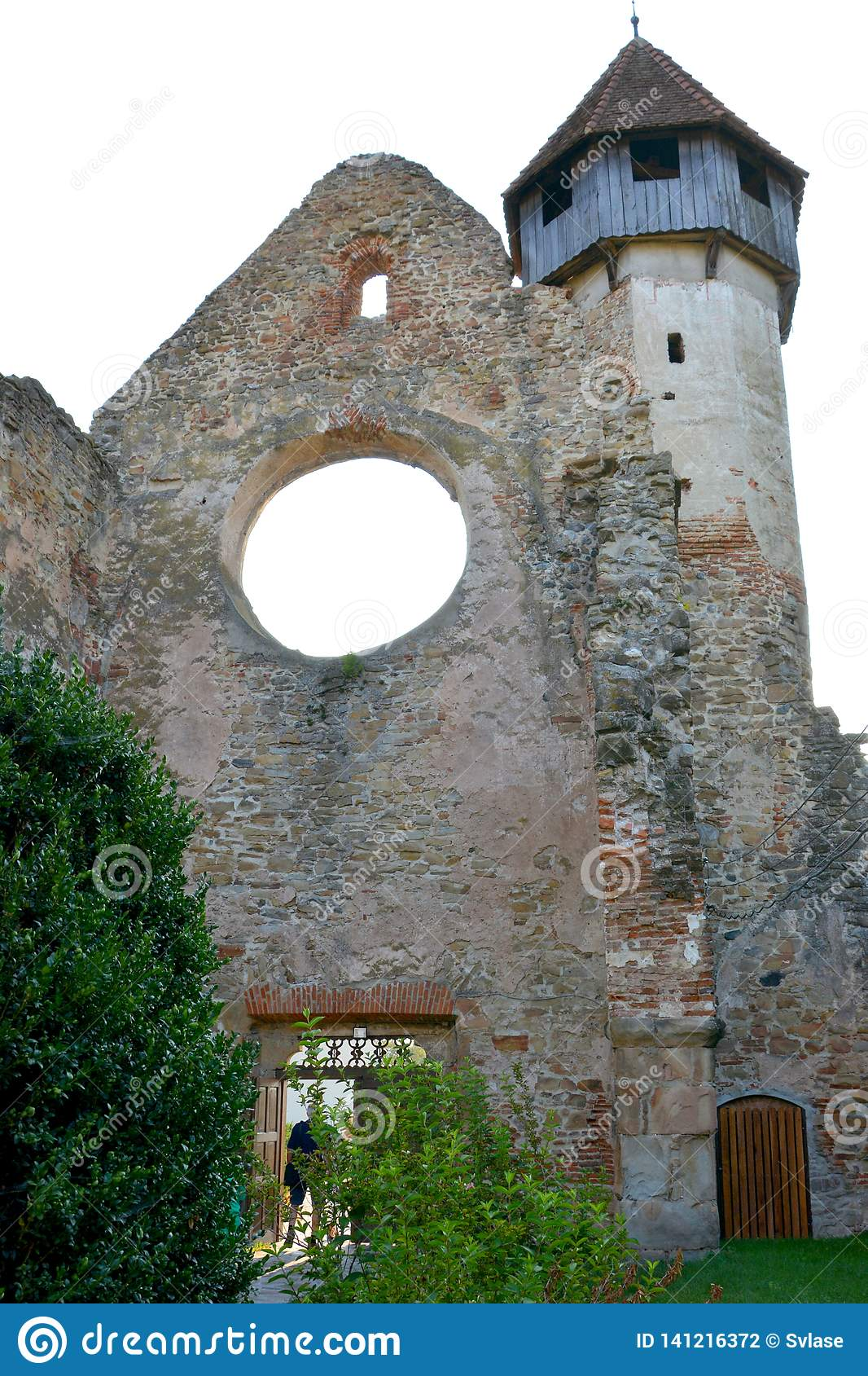 墙壁 中世纪cistercian修道院废墟在特兰西瓦尼亚