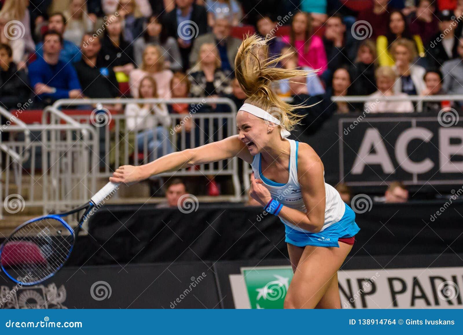在世界小组II第一场圆的比赛期间的丽贝卡Sramkova,在队拉脱维亚和队斯洛伐克之间