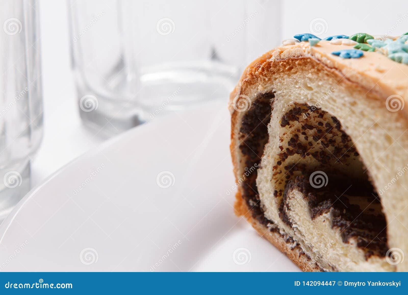 在板材的鸦片蛋糕