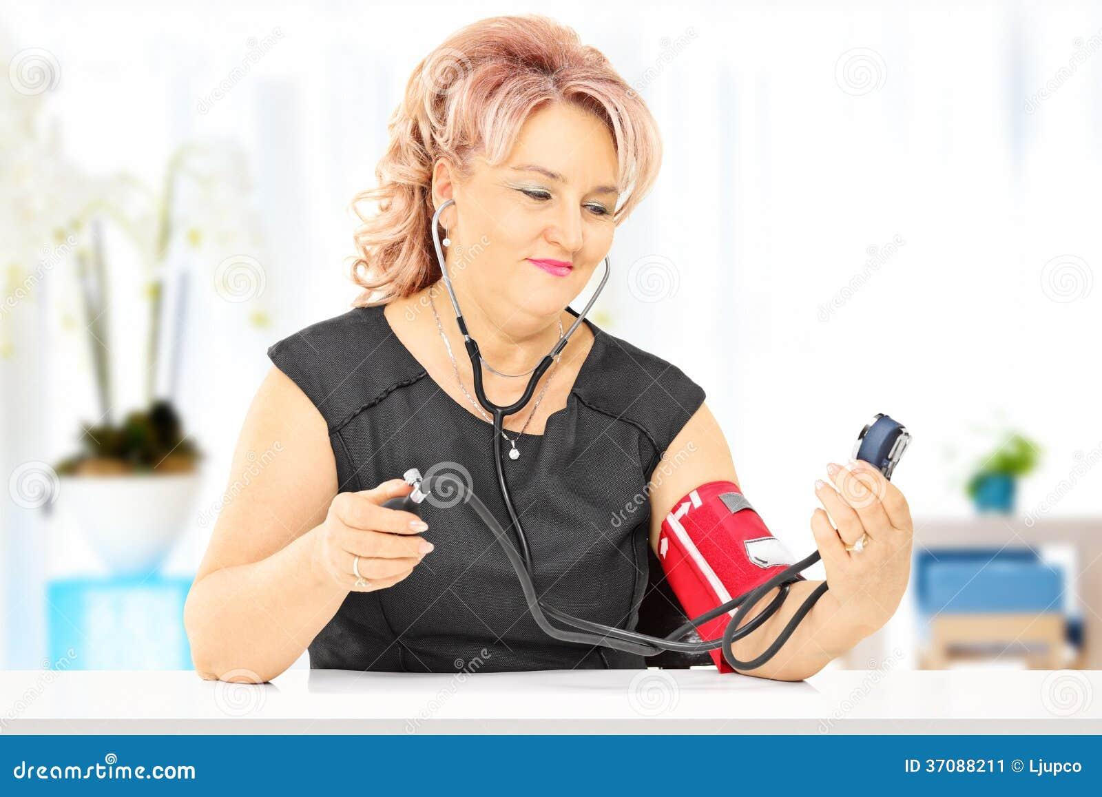 mäta blodtryck hemma
