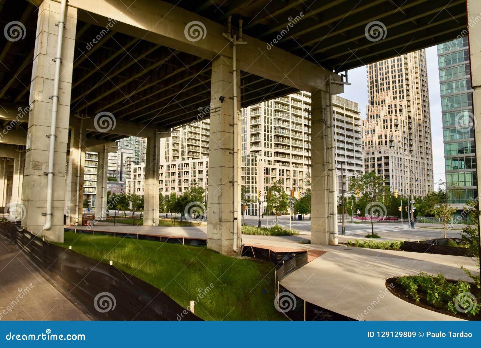 Återuppliva Underused stads- offentliga utrymmen