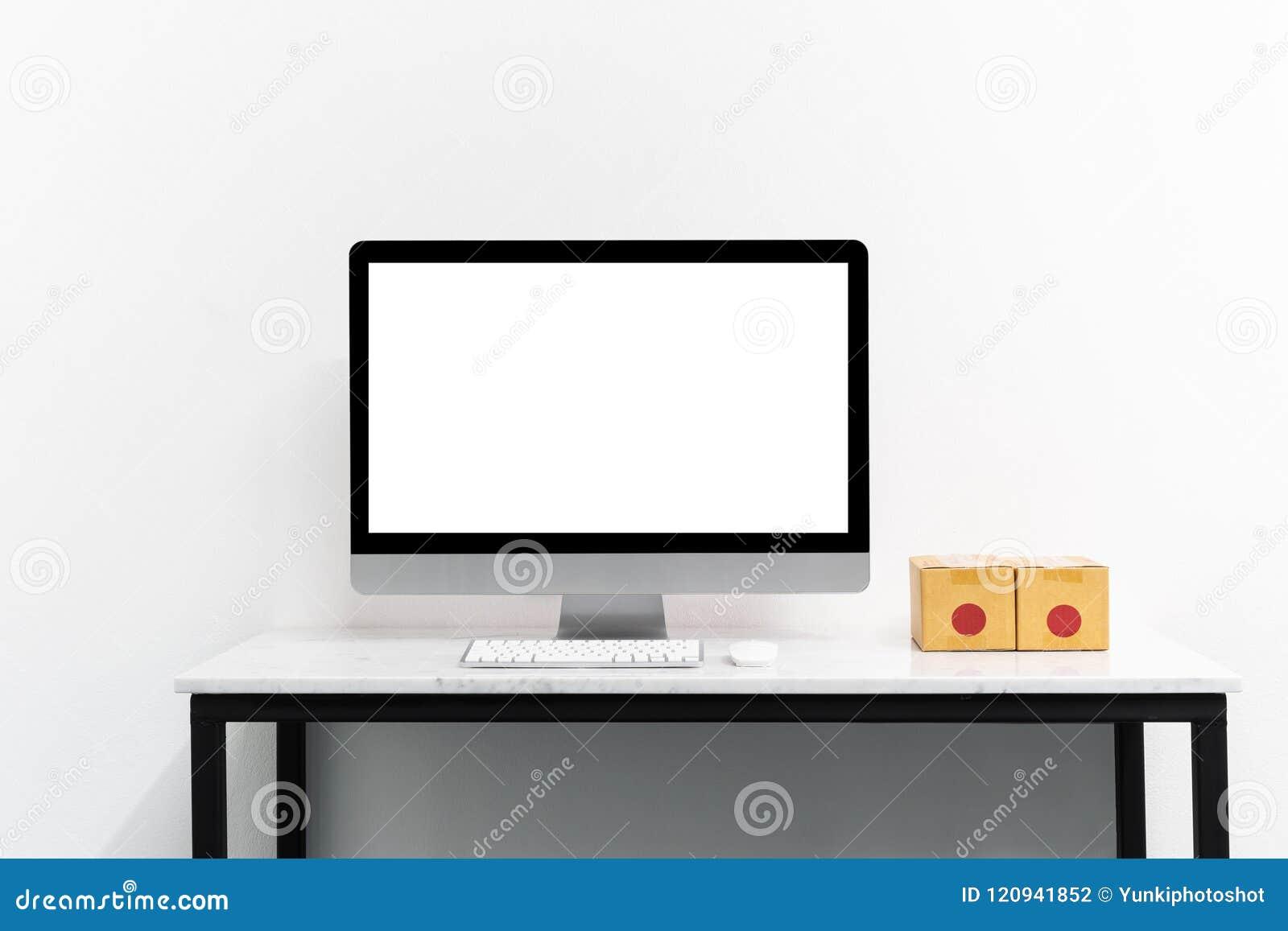 Åtlöje upp datoren och skrivbordet för ditt annonserar