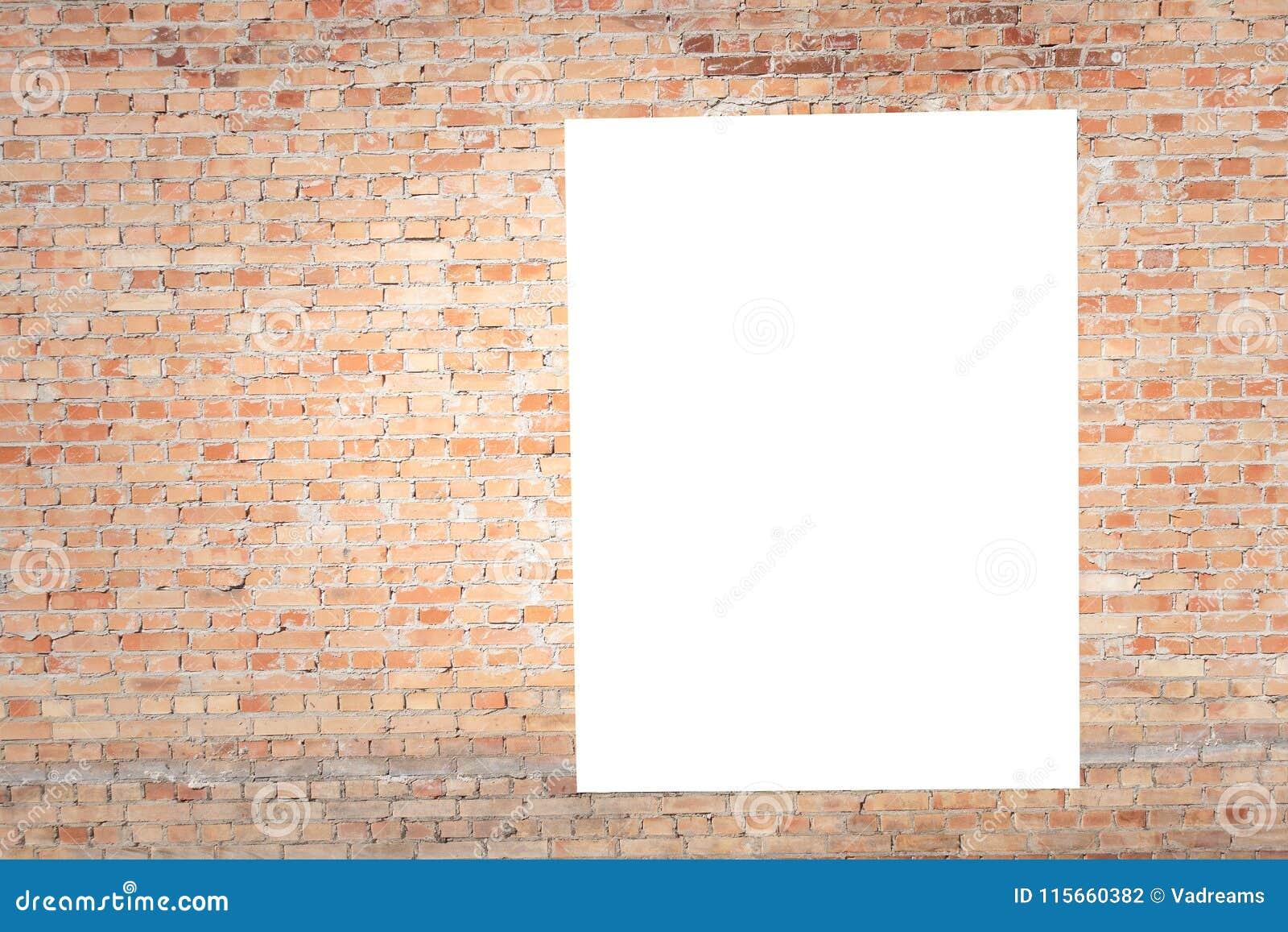 Åtlöje upp Tomma vertikala affischtavlor, affischramar som annonserar på tegelstenväggen