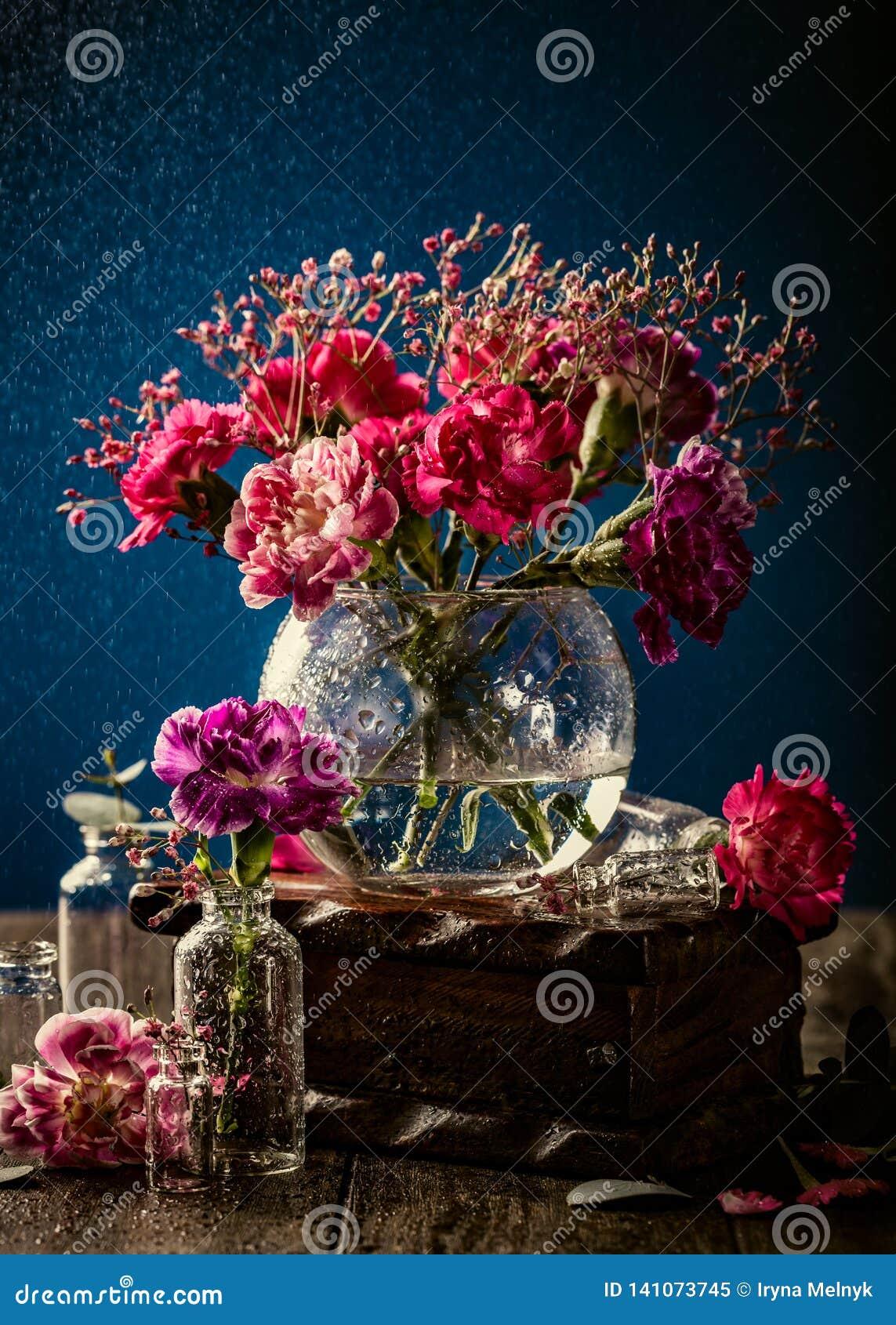 桃红色康乃馨花束