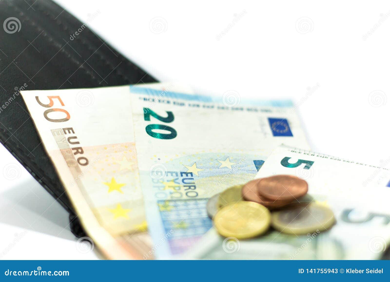 欧洲钞票和硬币 货币在钱包里 经济在欧洲