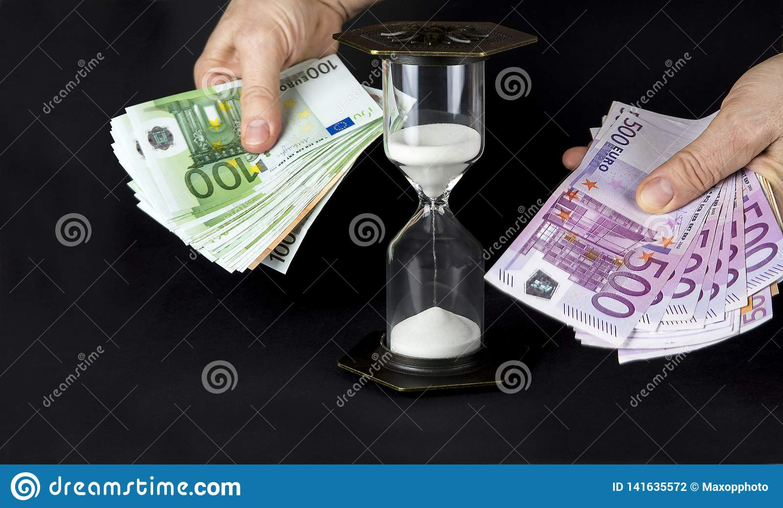 滴漏和纸币 时间是货币概念