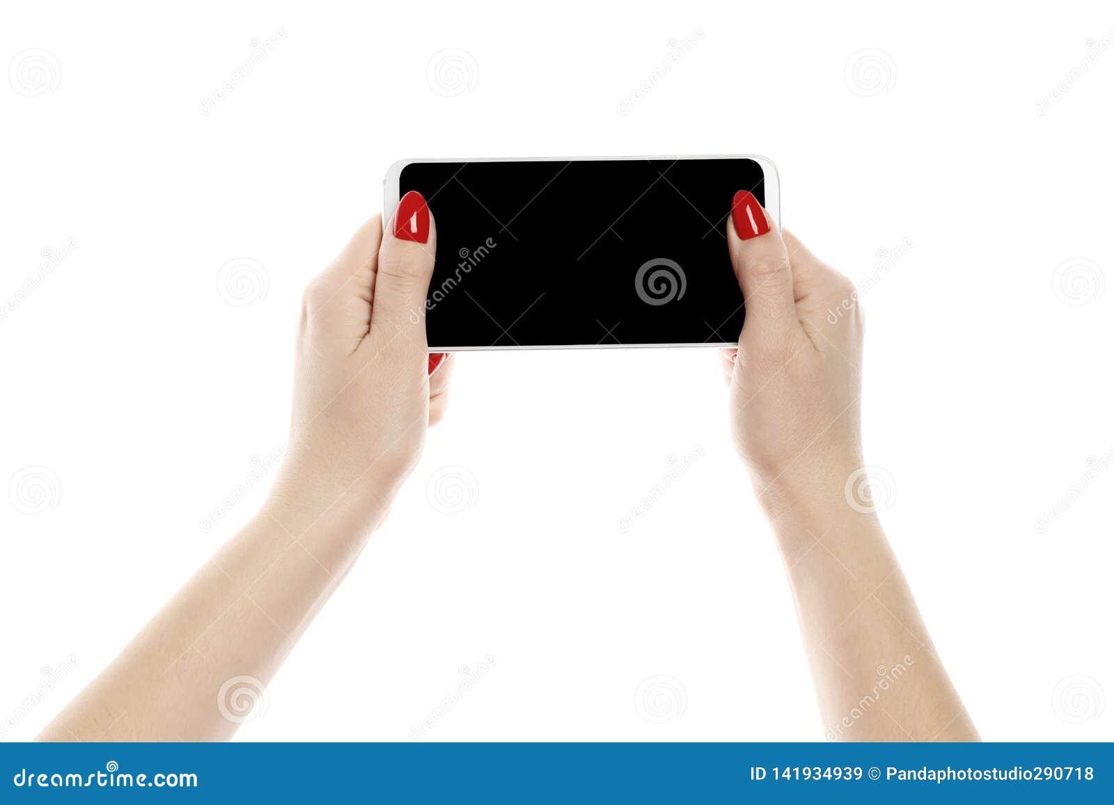 拿着智能手机的女孩被隔绝在白色背景