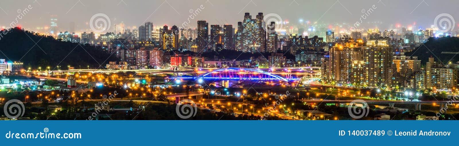 新北市夜地平线 台湾