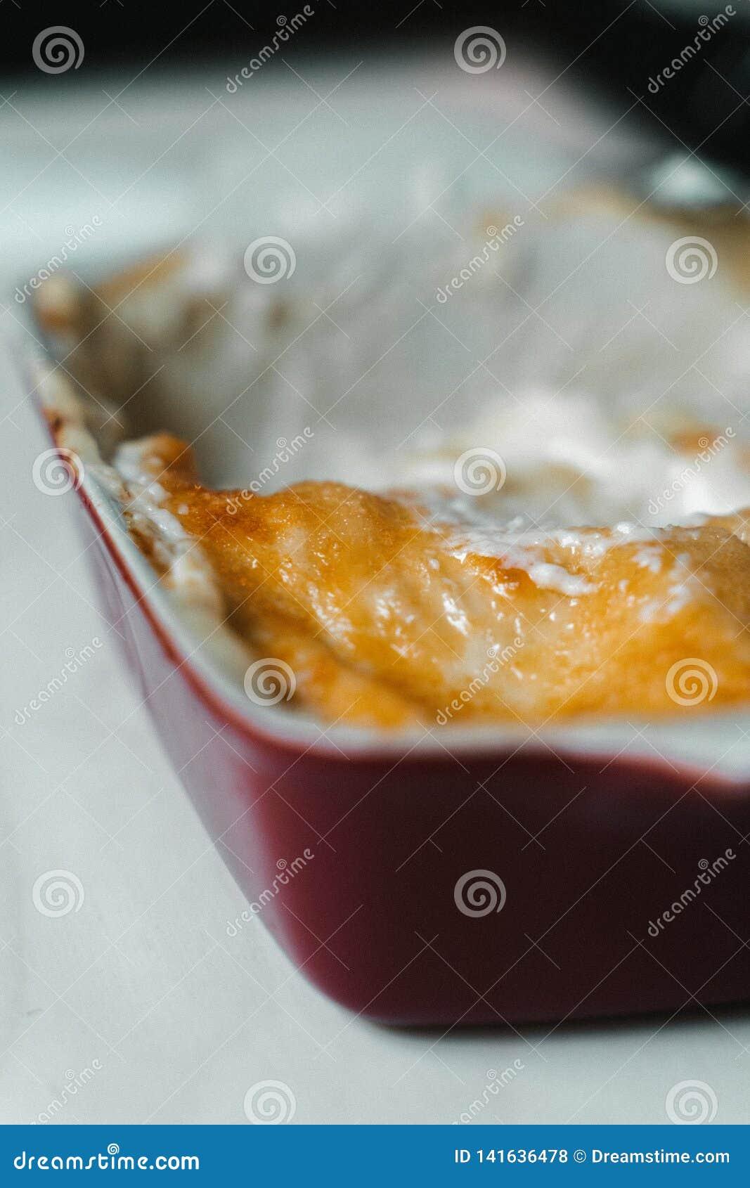 自创乳脂状的烤宽面条