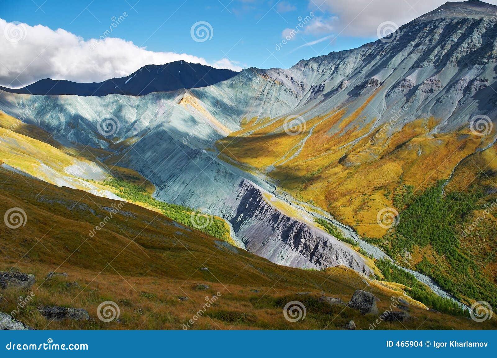 È un Altay molto bello mountains_01