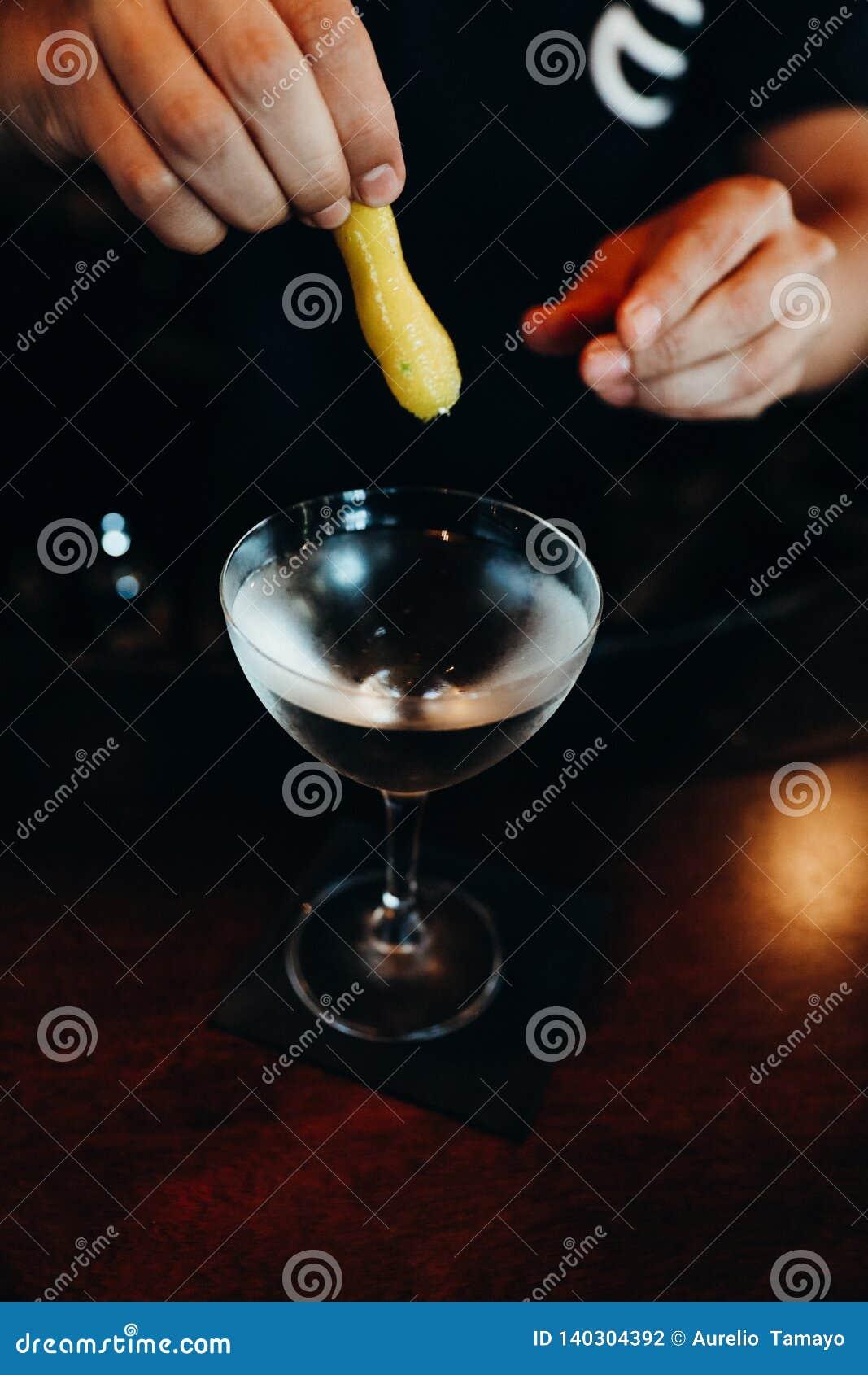 饮料威士忌酒在Casco Viejo,巴拿马parte 5