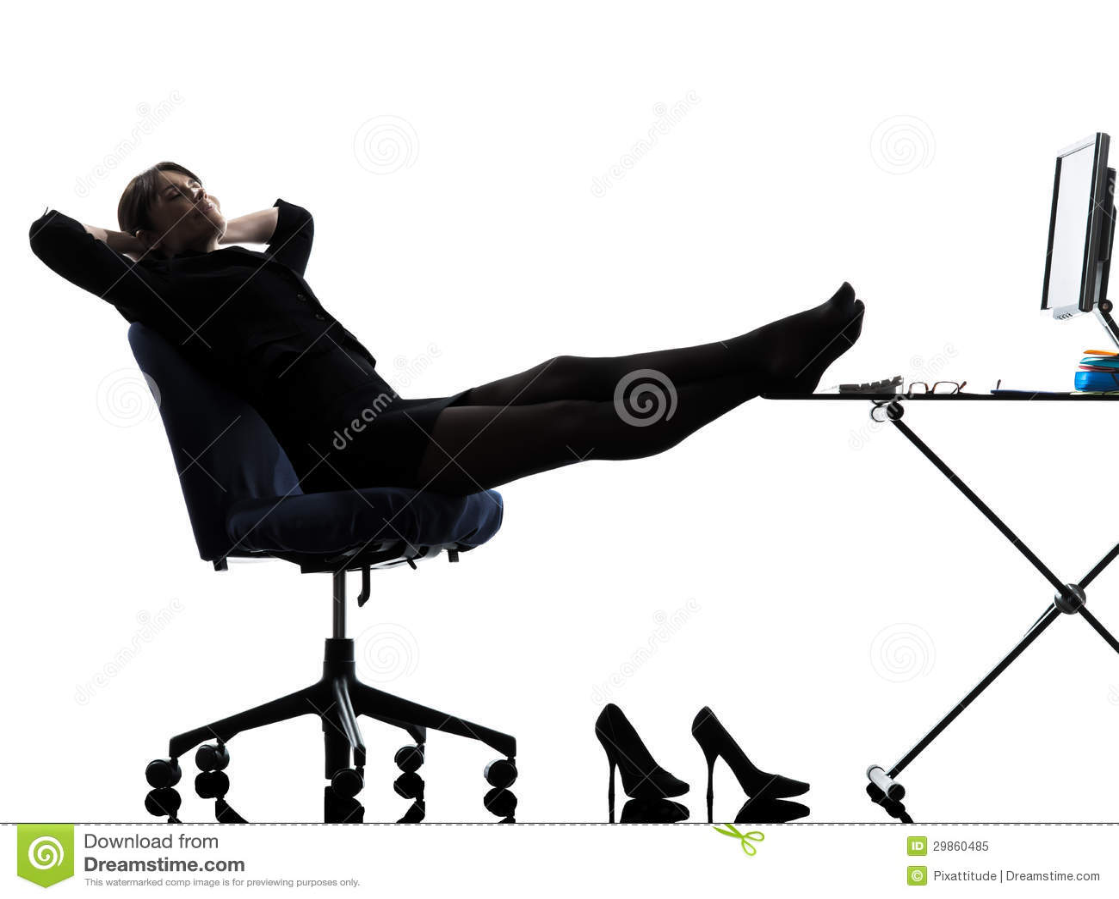 Silhouet van de bedrijfsvrouwen het rustende pauze