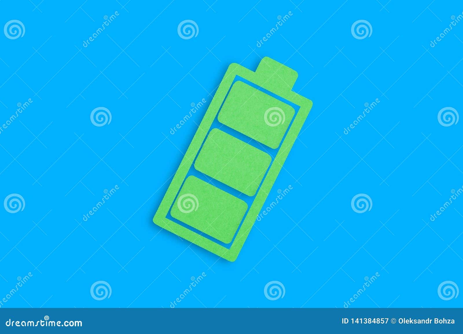 Één met de hand gemaakt document pictogram van volledige batterij in centrum van blauwe lijst Hoogste mening