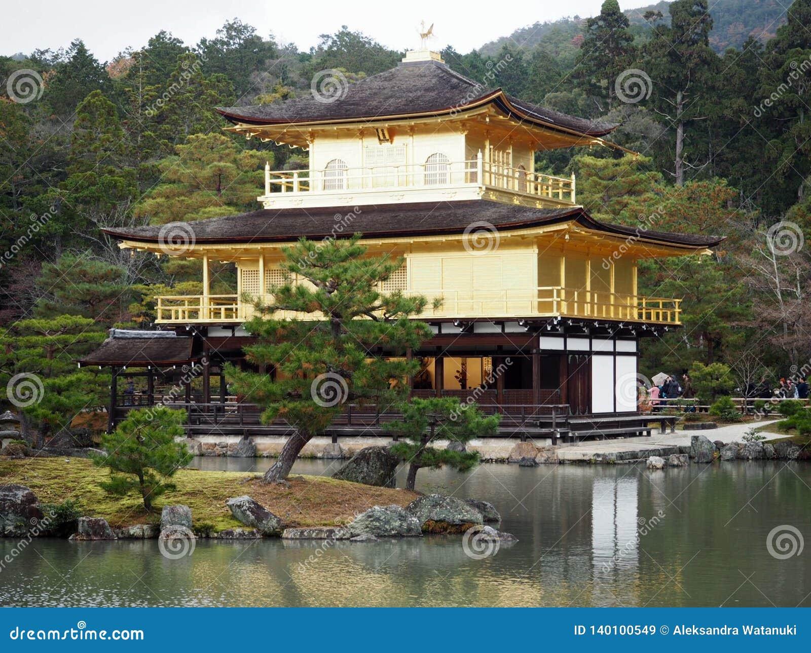 金黄日本京都寺庙