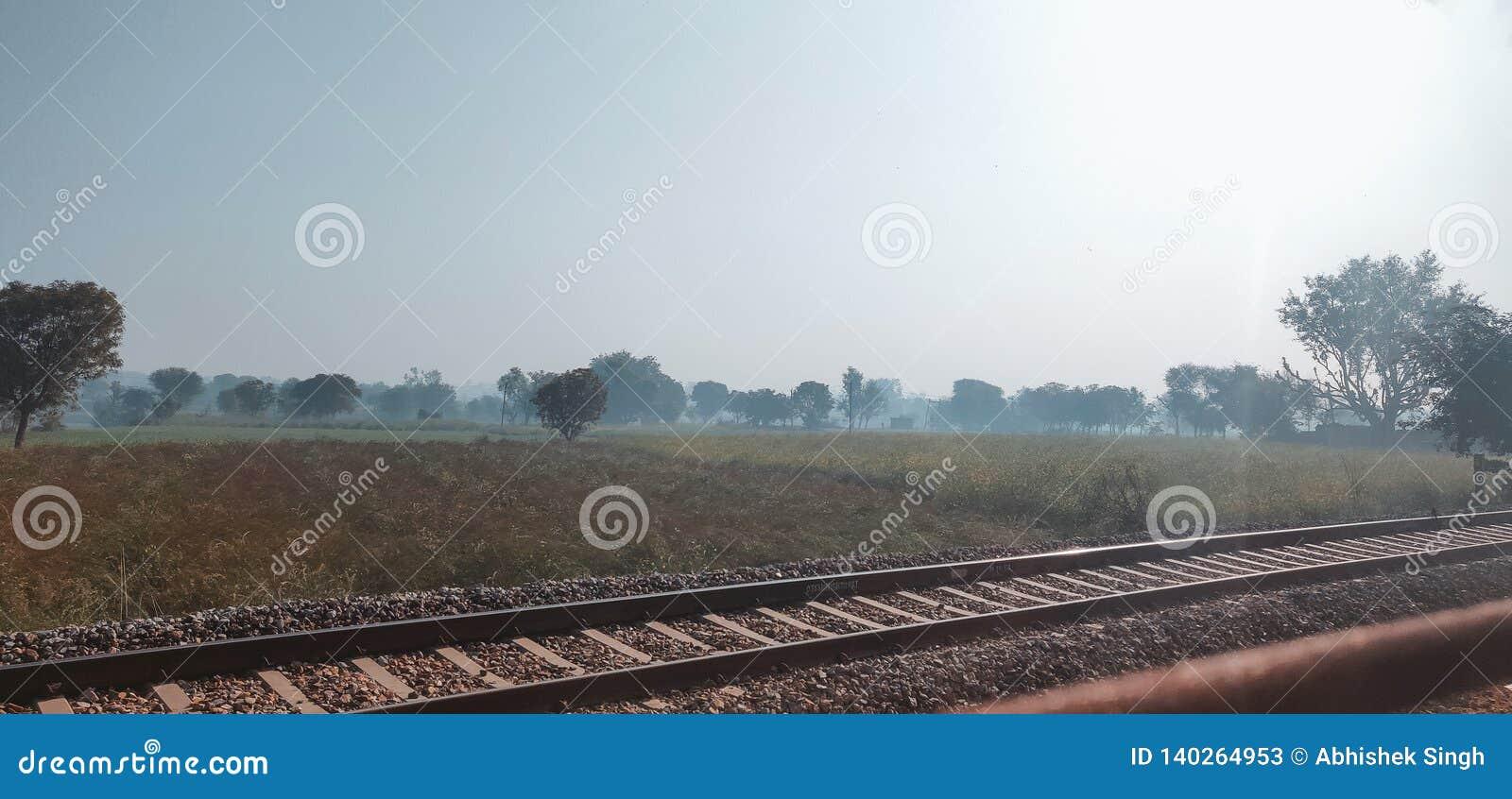 长的印度铁路训练轨道