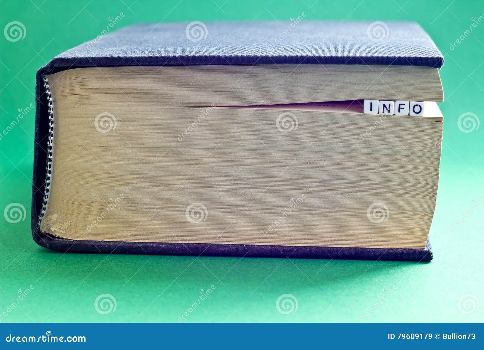 É livro com informação da palavra