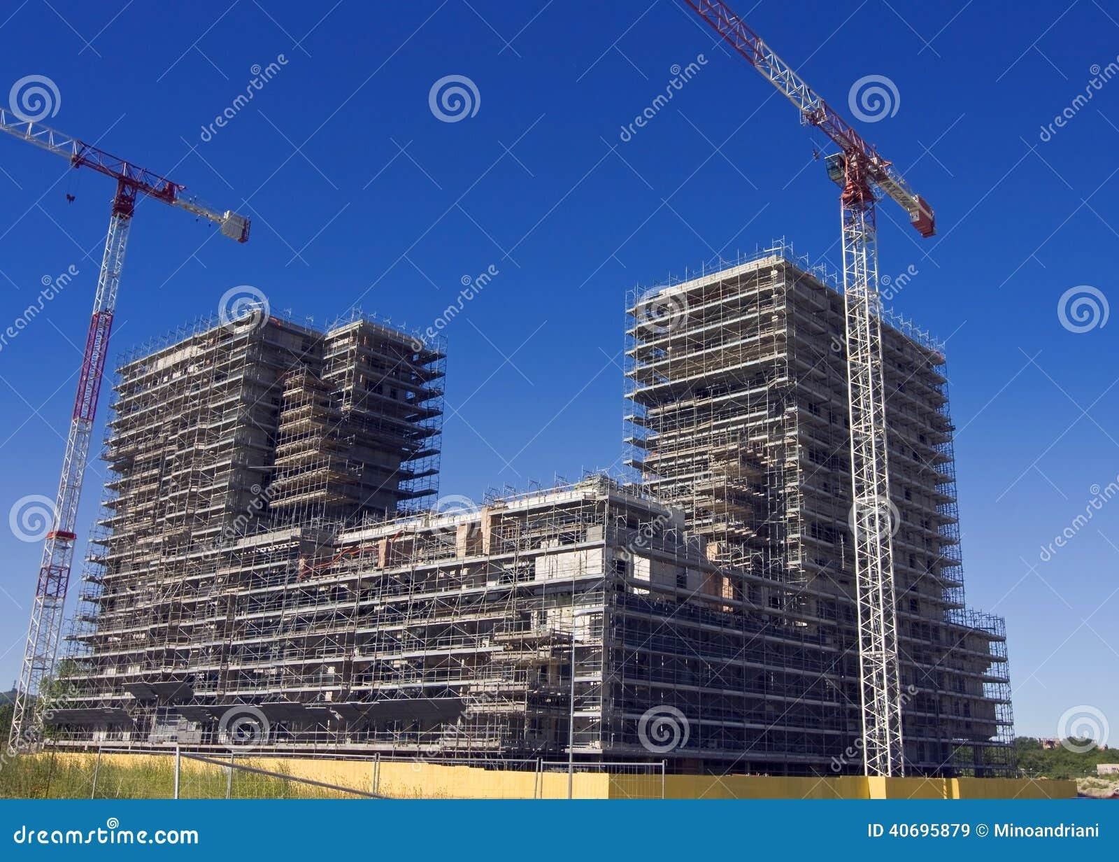Échafaudage sur un chantier de construction