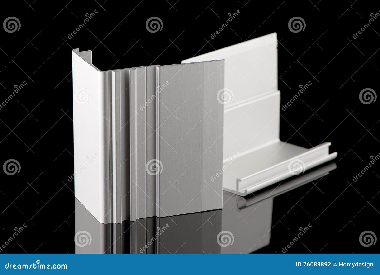 Échantillon en aluminium de profil