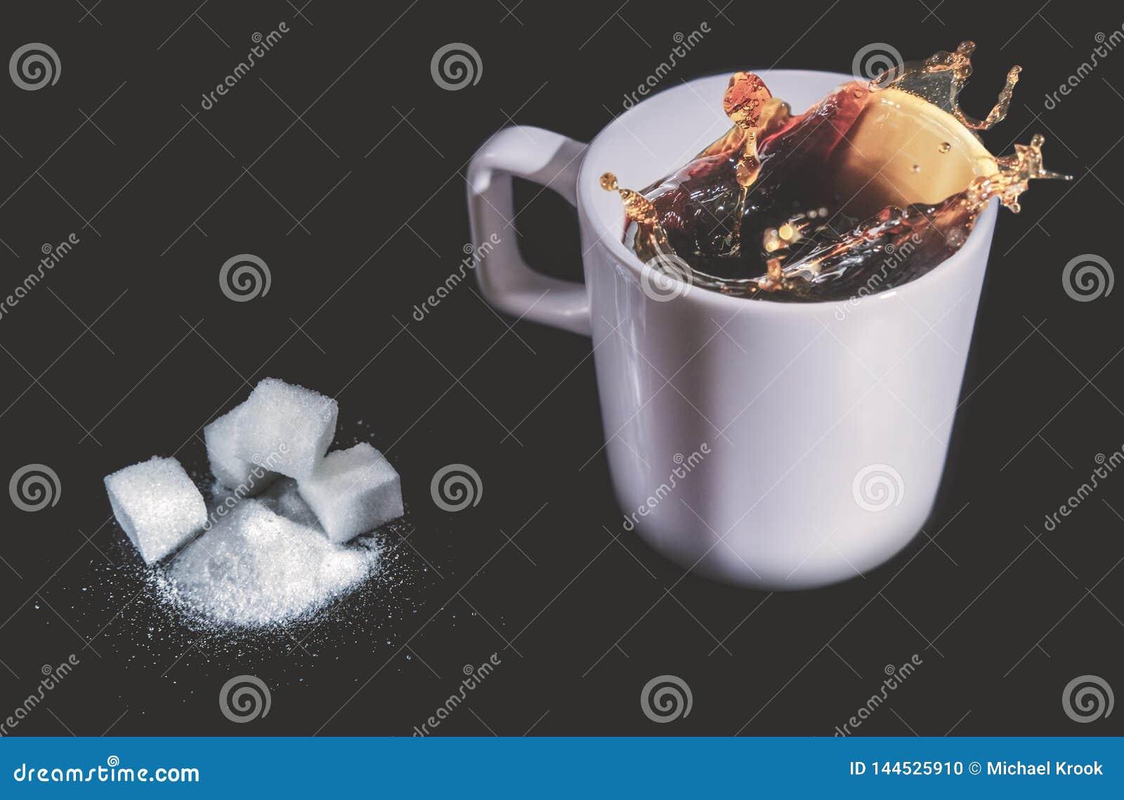 Éclaboussure de Coffe dans une tasse
