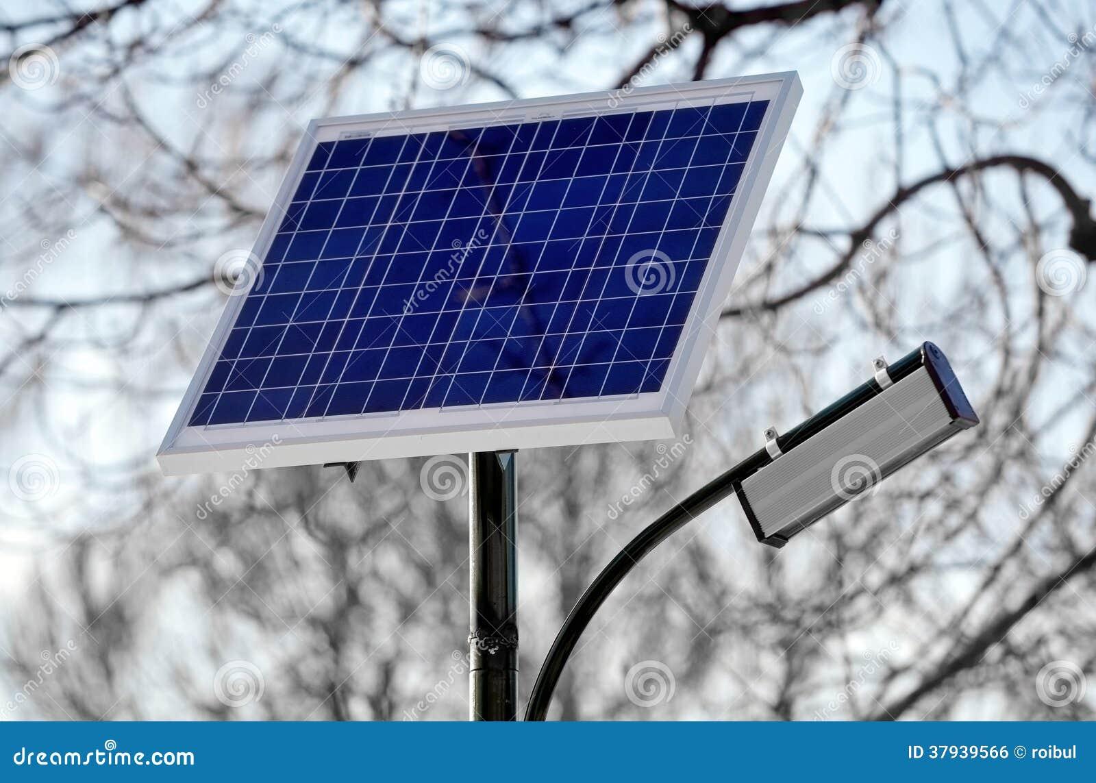 Eclairage Public Photovoltaique En Parc Photo Stock Image Du Lampe