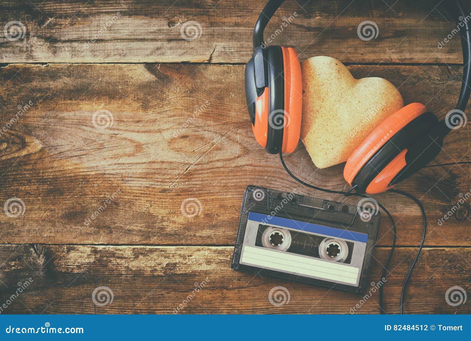 Écouteurs avec cassette de bande de coeur de tissu la prochaine