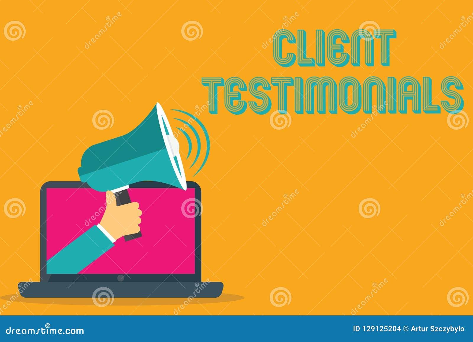 Écriture conceptuelle de main montrant des témoignages de client Personnes de certification de déclaration écrites par texte de p