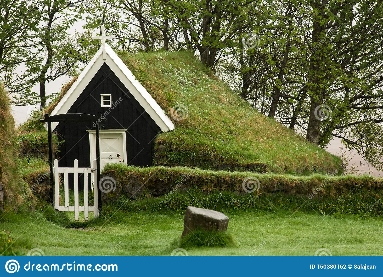Église abandonnée de gazon dans Nupsstadur, Islande