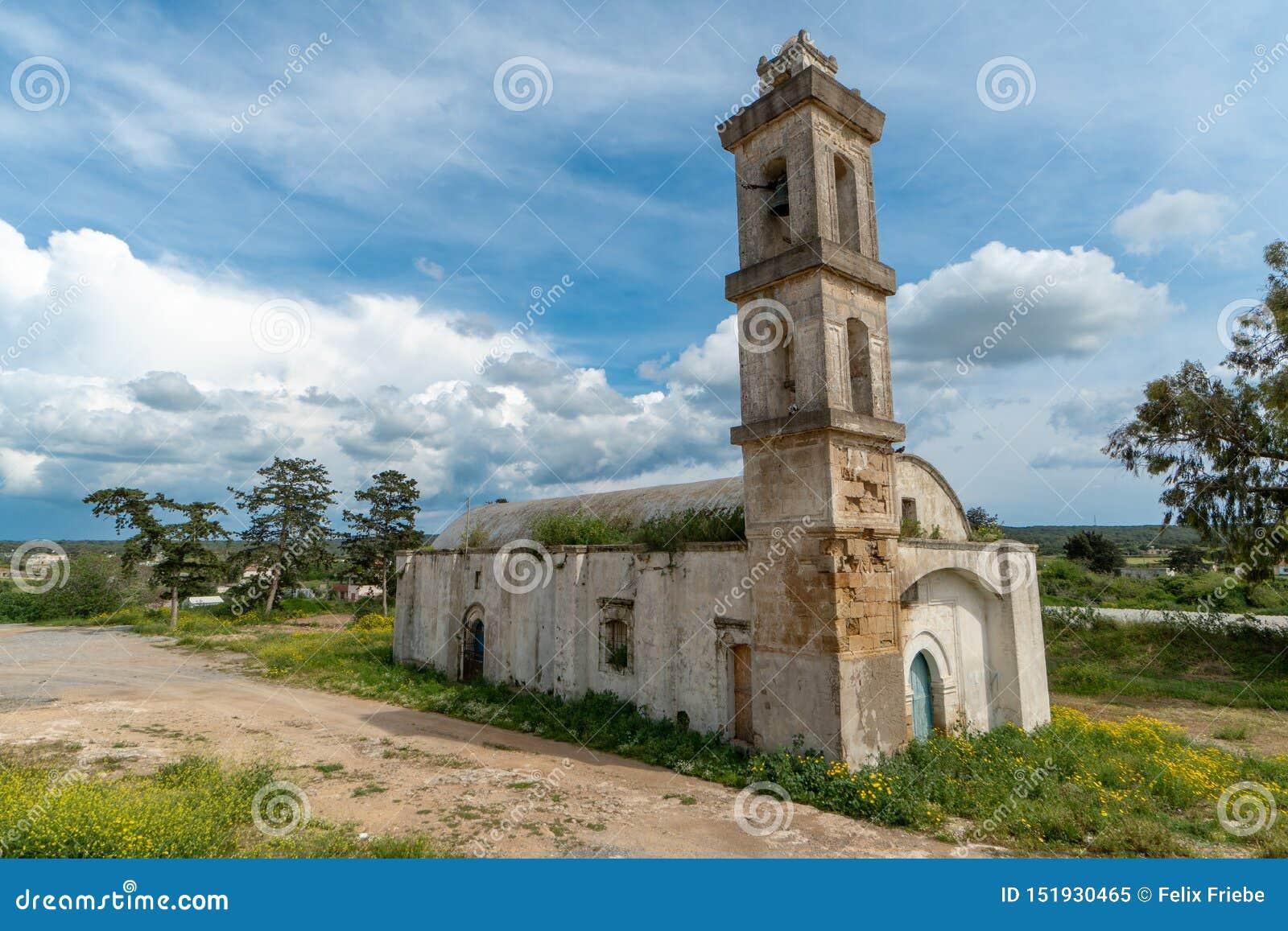 Église abandonnée en Chypre du nord