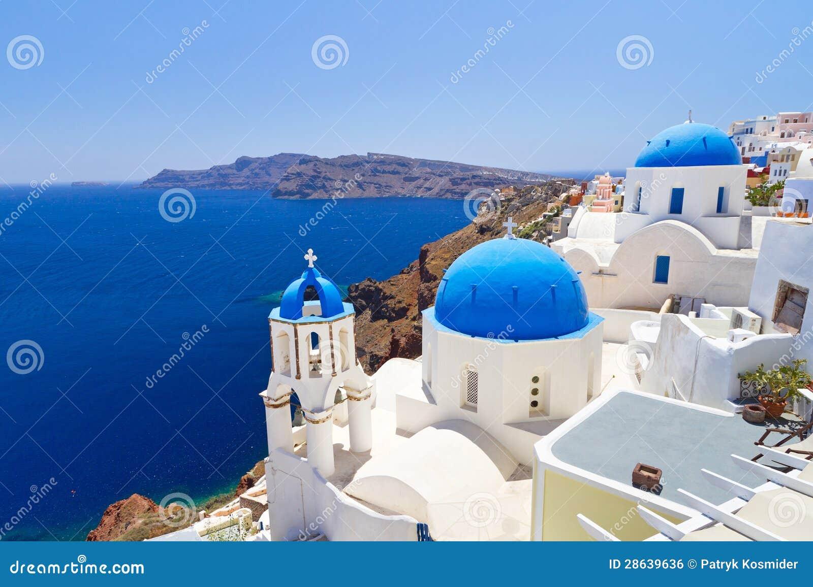 Glise bleue et blanche de village d 39 oia sur santorini for Piscine seynod ile bleue