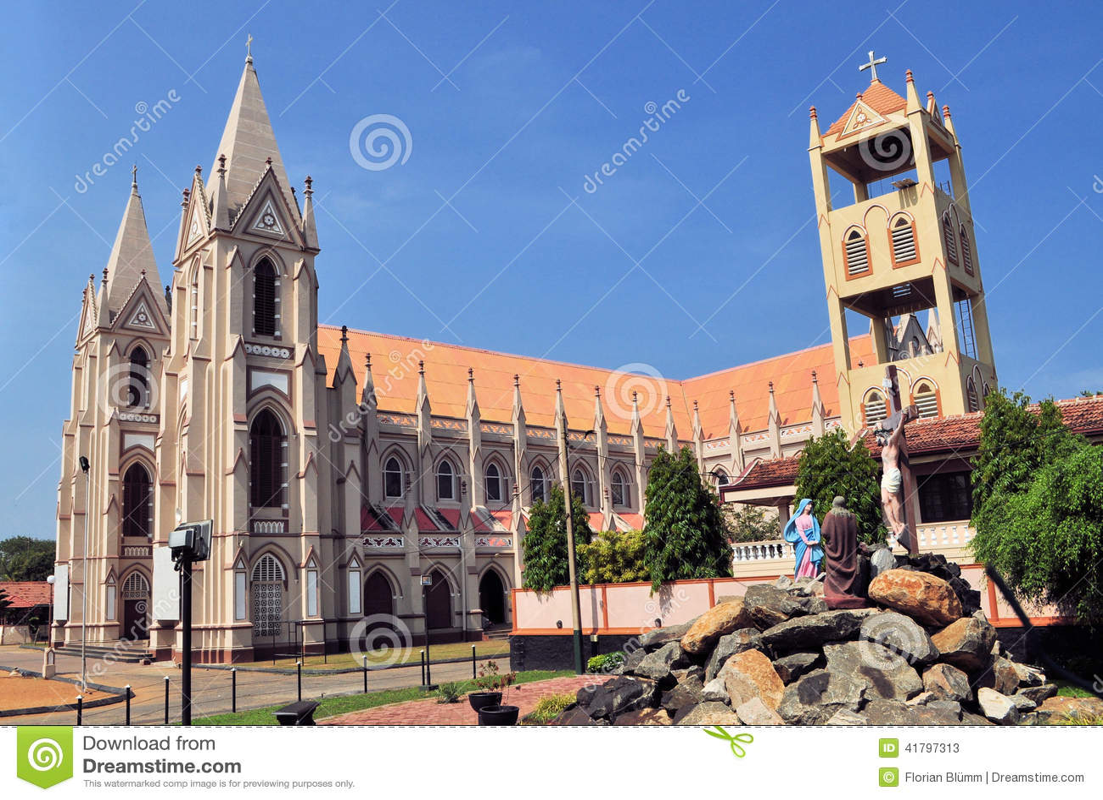 Dunagaha Sri Lanka  City new picture : ... Catholique Avec Des Tours Dans Negombo, Sri Lanka Photo stock