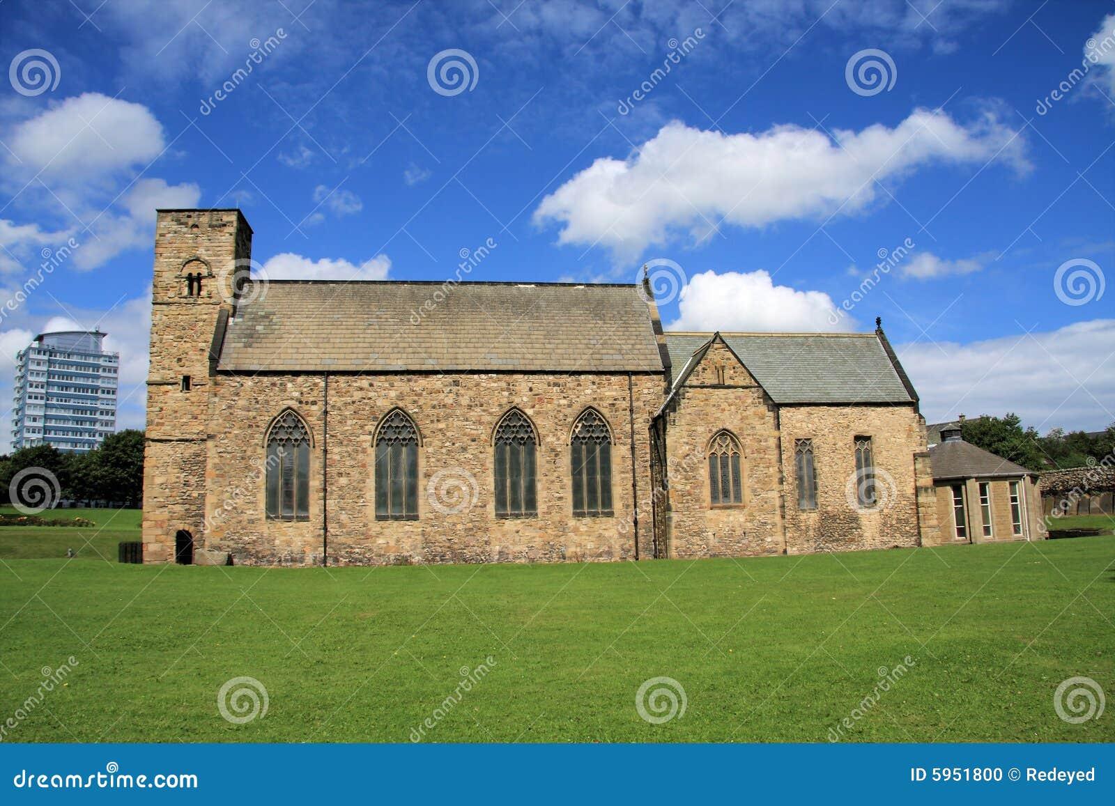 Église de rue Peter et bloc de tour