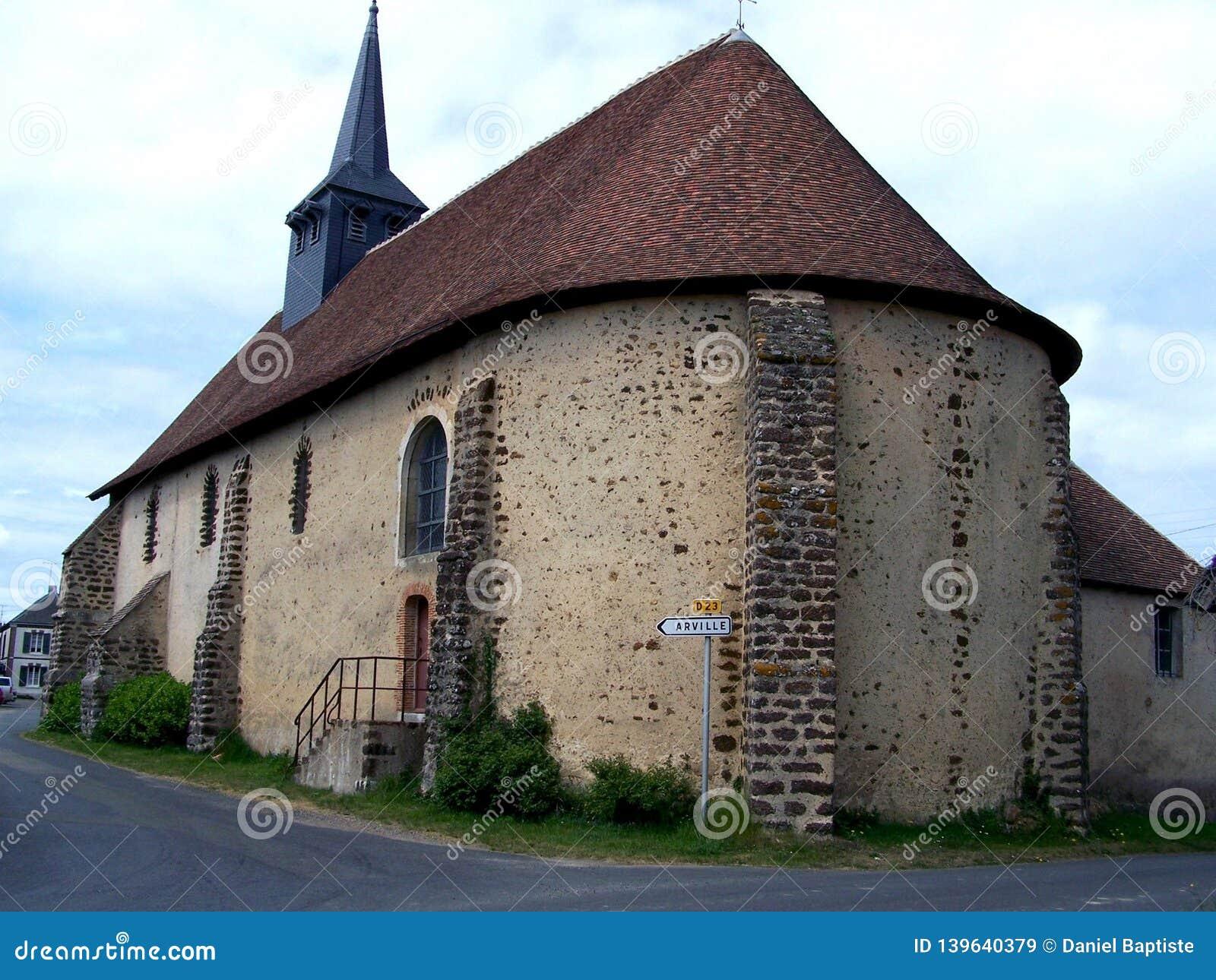 Église, une petite église dans un village dans la campagne, loir et cher, France