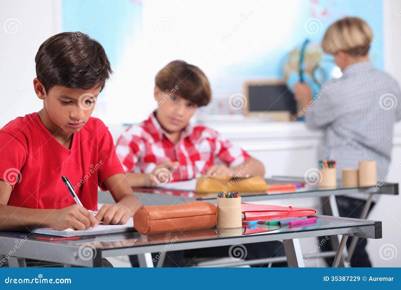 Élèves dans la classe